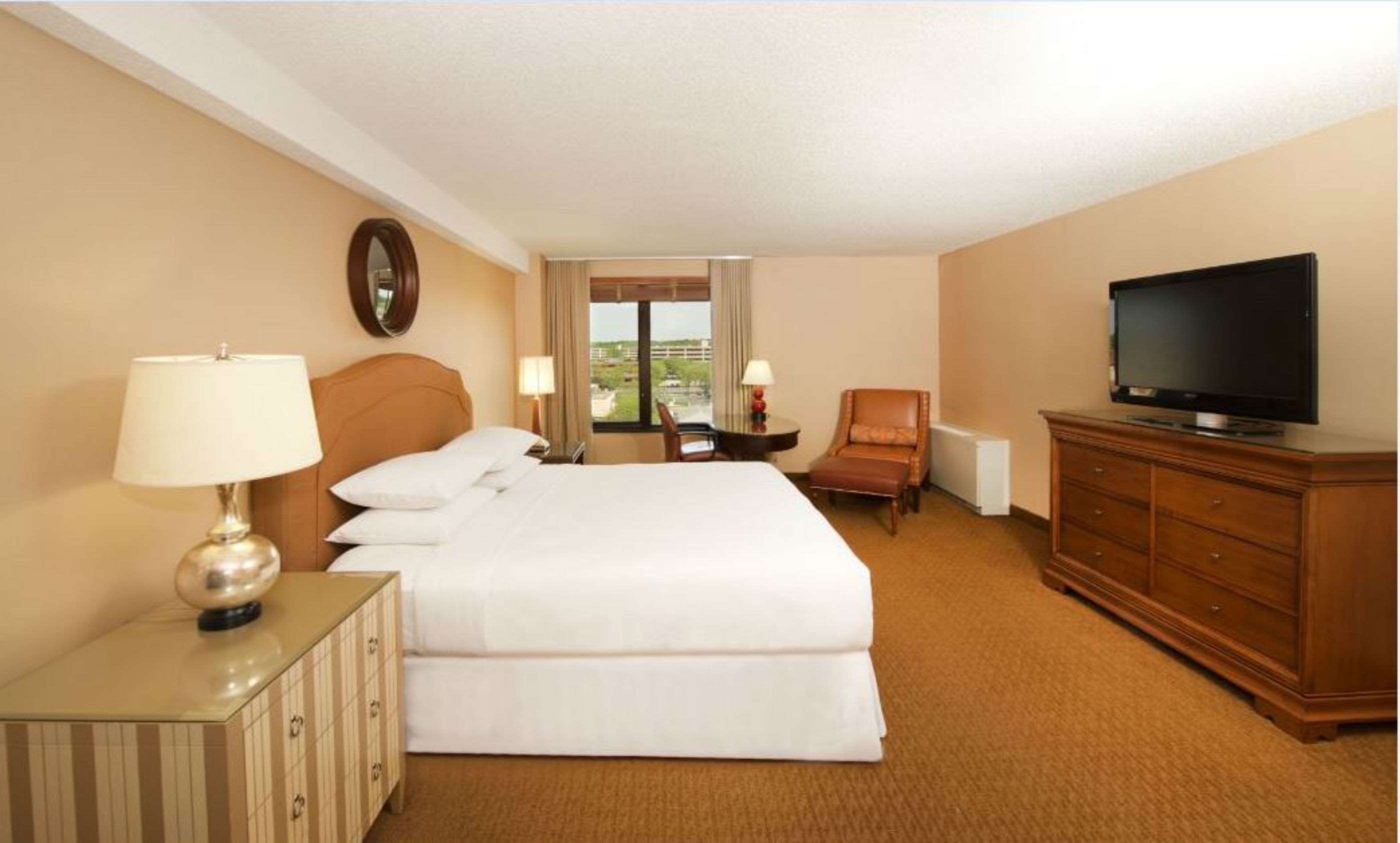 DoubleTree by Hilton Hotel Bloomington - Minneapolis South image 7