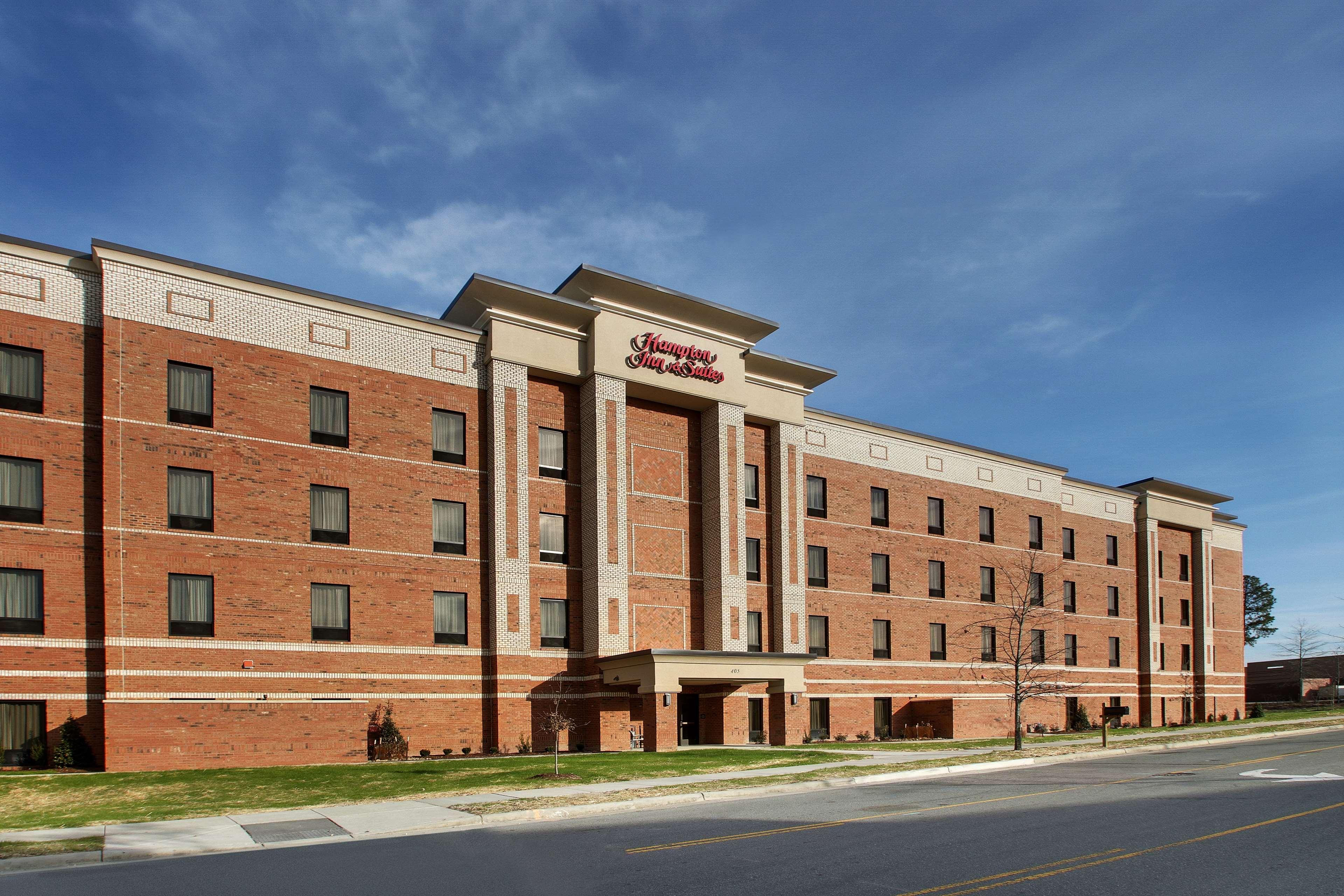 Hampton Inn & Suites Knightdale Raleigh image 0