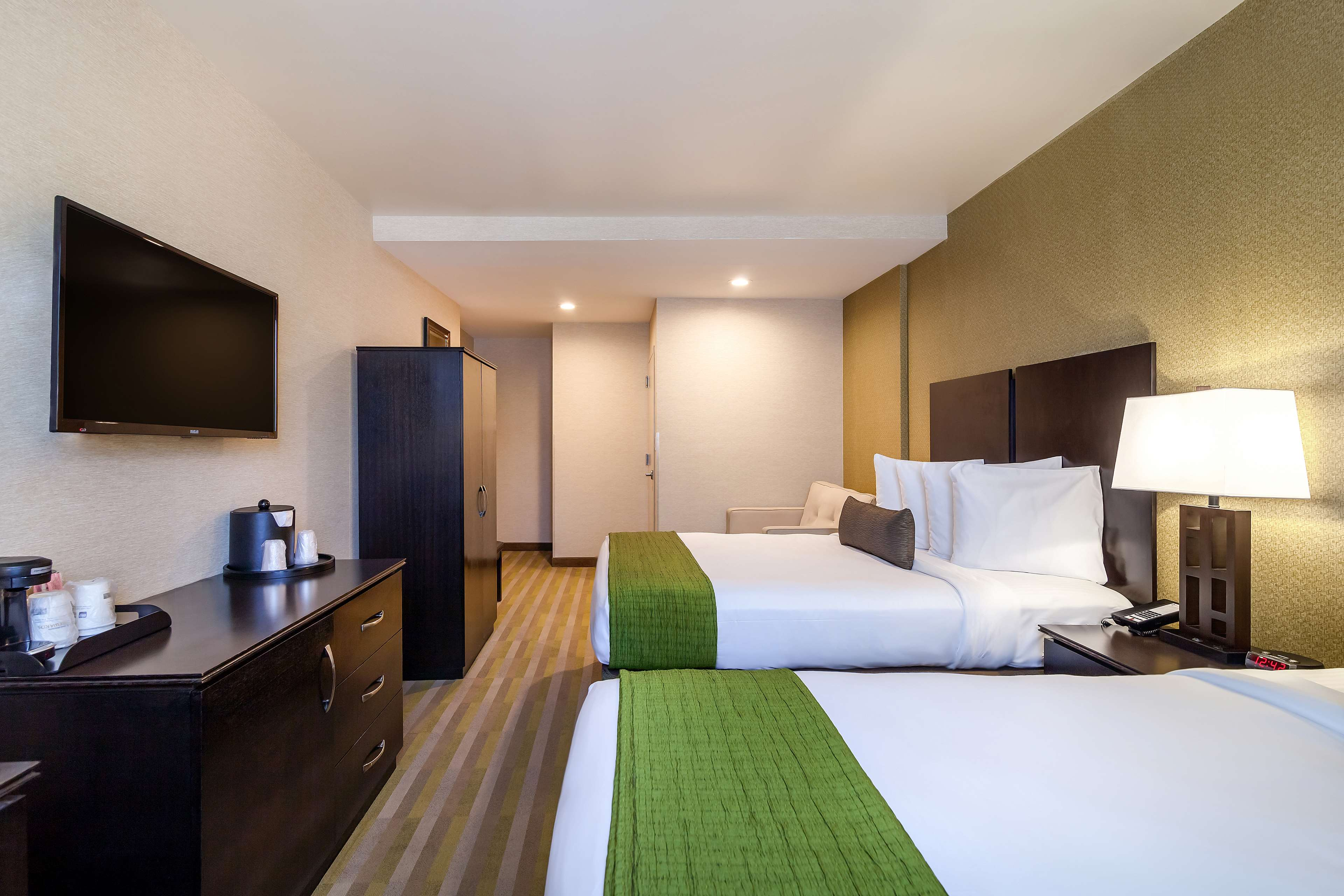 Best Western Plus Plaza Hotel image 29