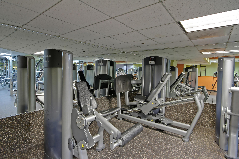 Crunch Fitness - Metro Center image 11