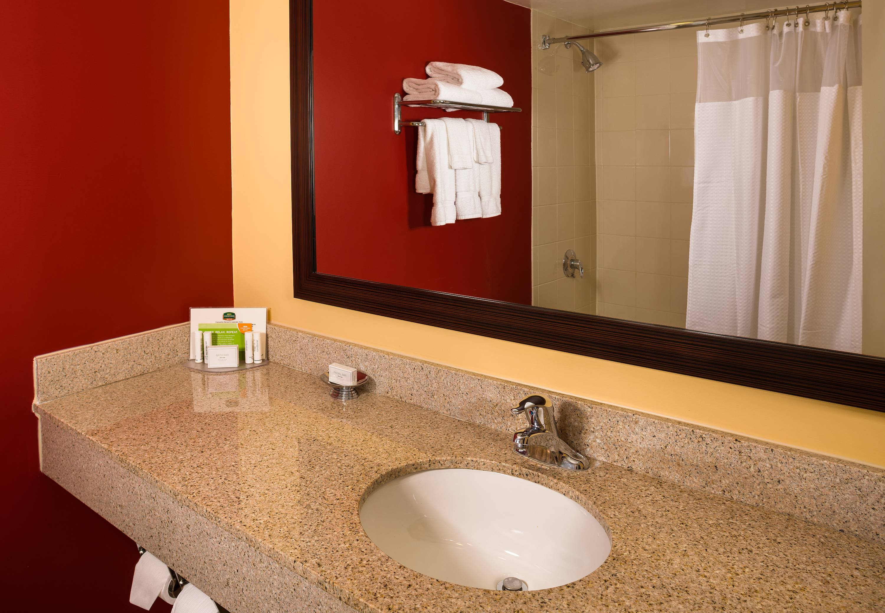 Courtyard by Marriott Fort Lauderdale North/Cypress Creek image 2
