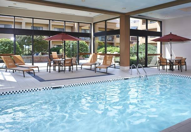 Courtyard by Marriott Chicago Oakbrook Terrace image 12