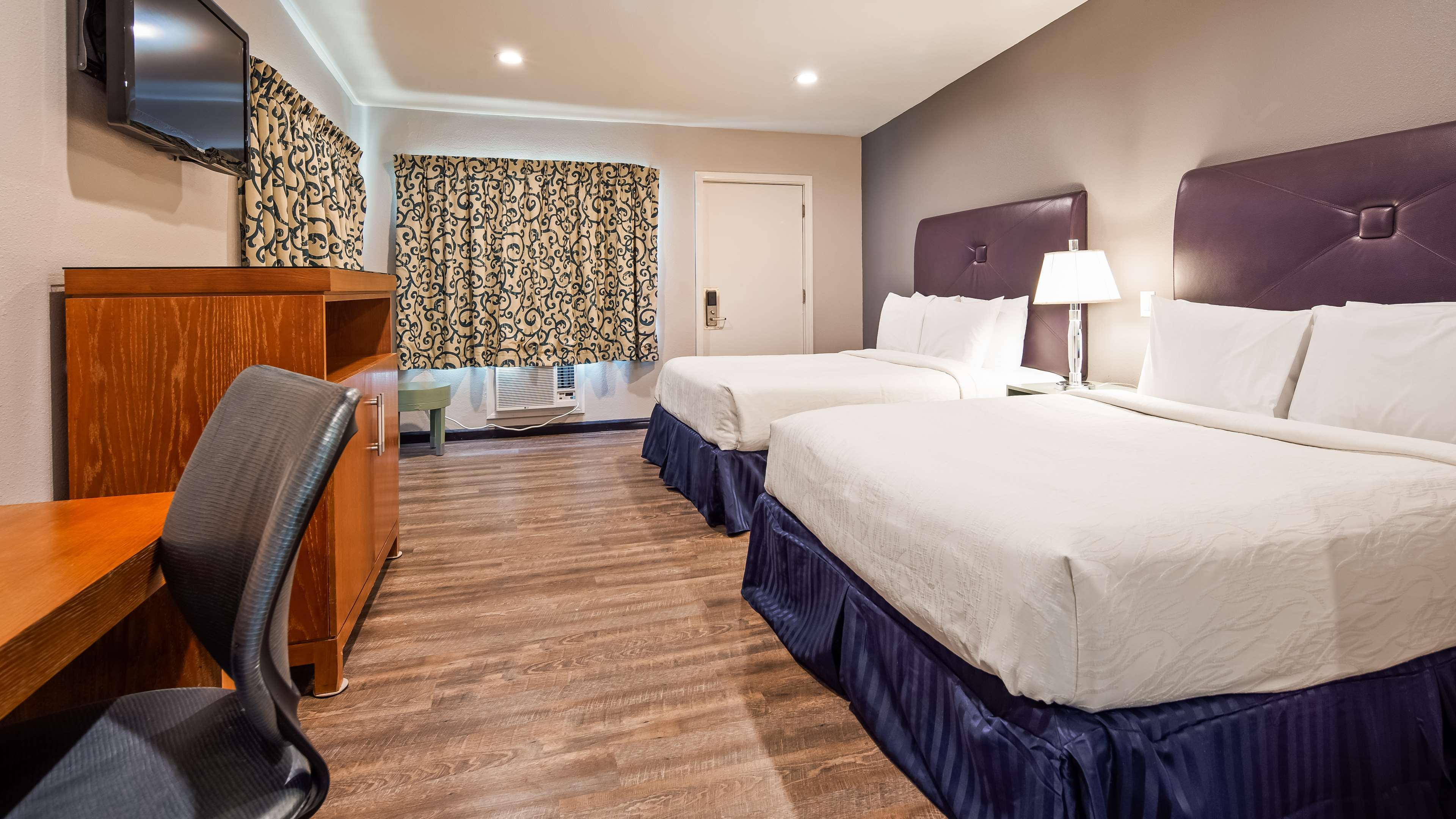 SureStay Hotel by Best Western Ridgecrest image 7