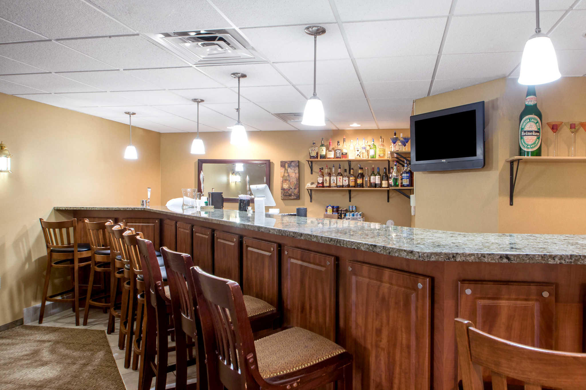 Comfort Suites Johnson Creek Conference Center image 39