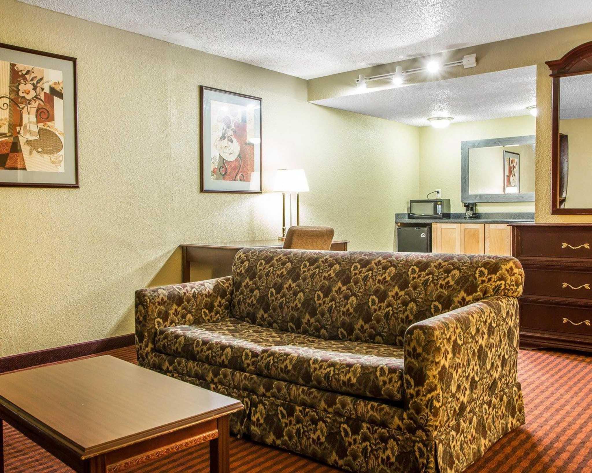 Clarion Hotel Highlander Conference Center image 28