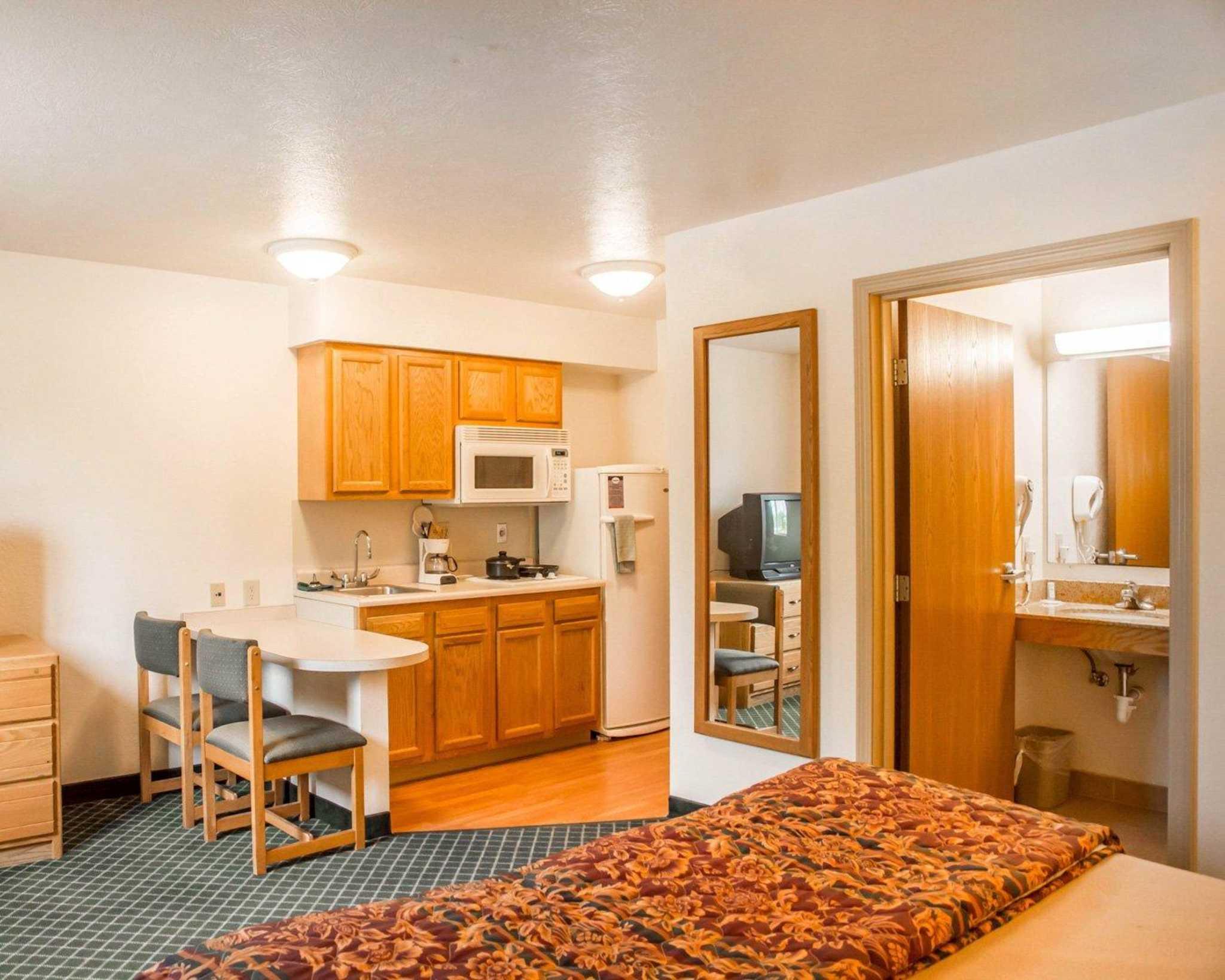 Suburban Extended Stay Hotel Dayton-WP AFB image 3