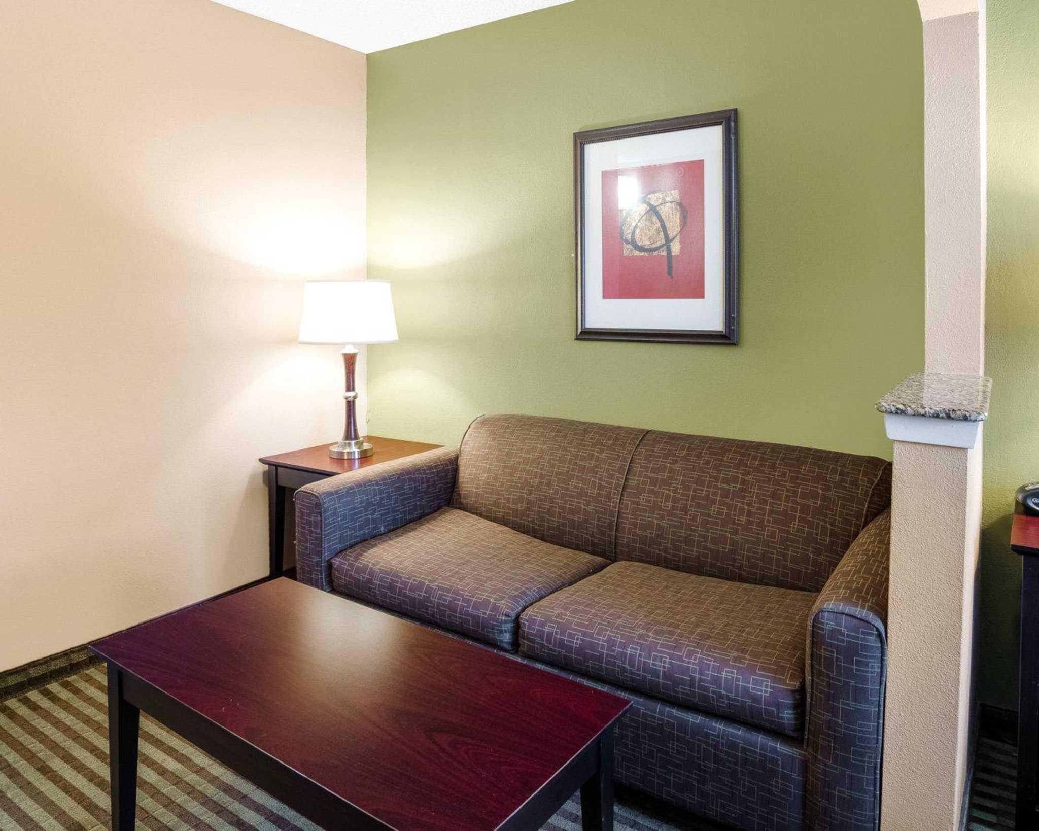 Comfort Suites Las Colinas Center image 26