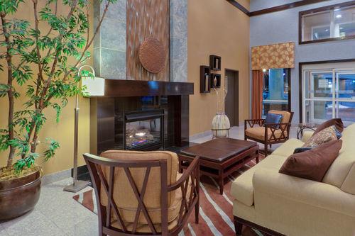 Holiday Inn Express & Suites Ashtabula-Geneva image 4