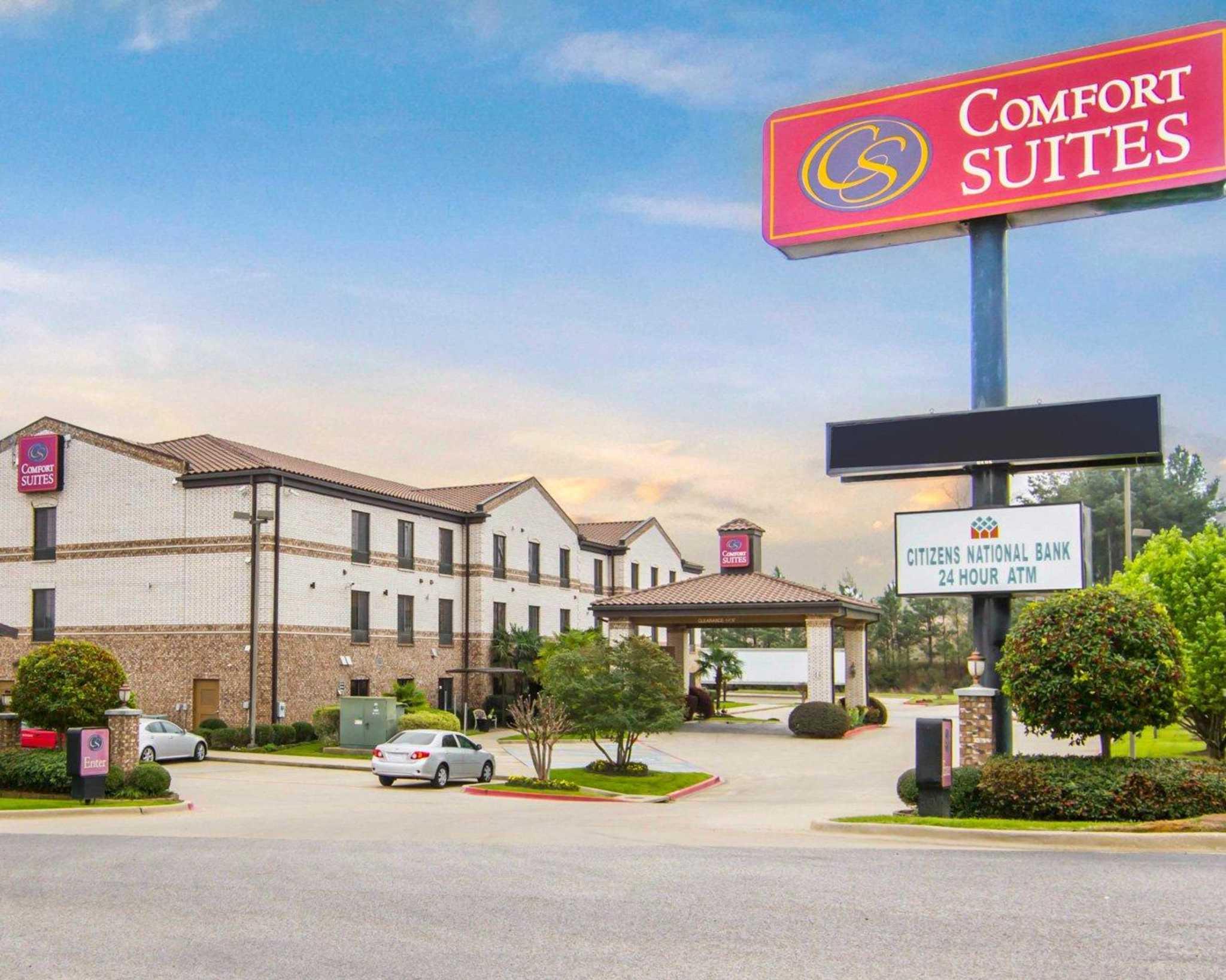 Comfort Suites Marshall image 1