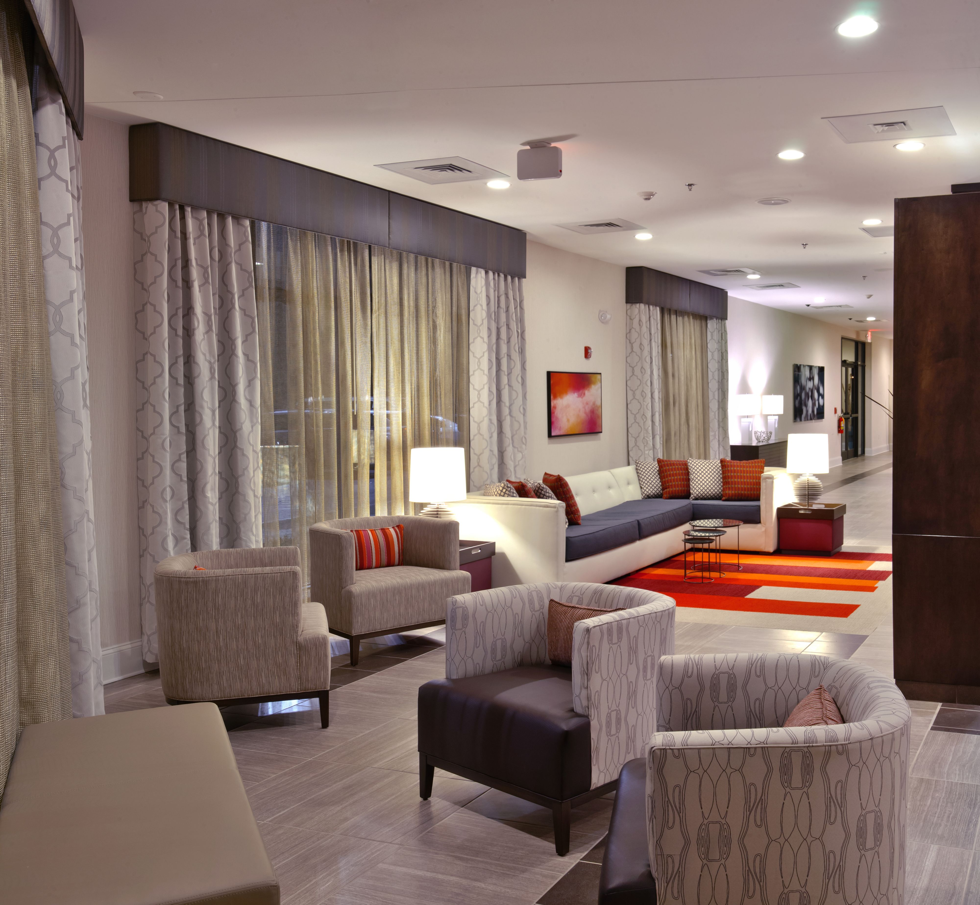 Holiday Inn Charlotte-Airport Conf Ctr image 3