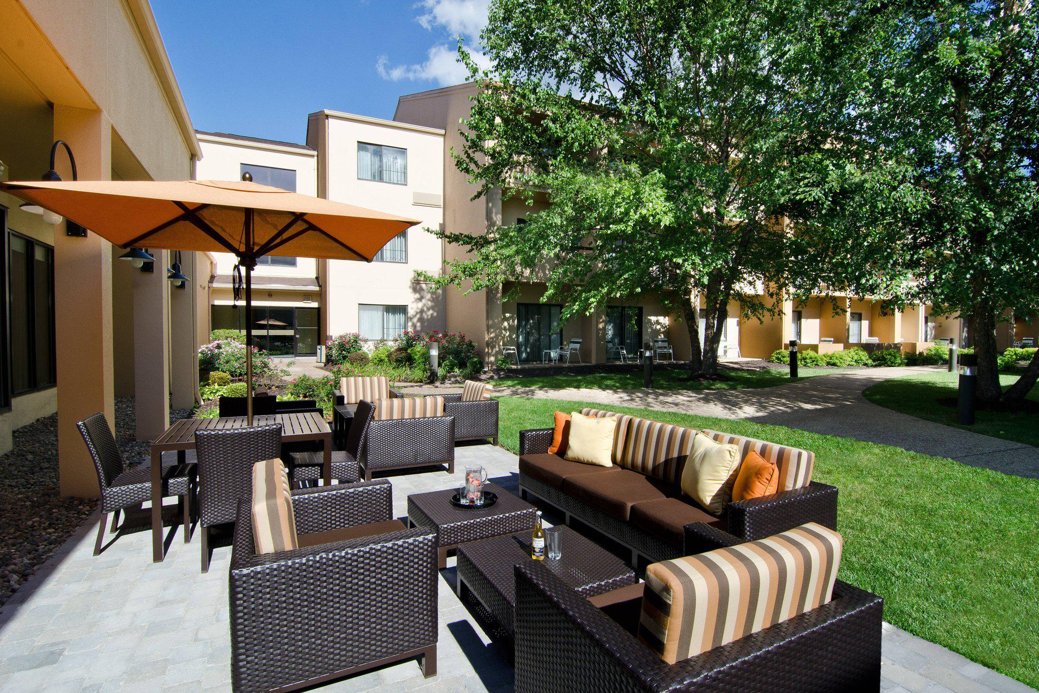 Courtyard by Marriott Kansas City Overland Park/Metcalf, South of College Boulevard