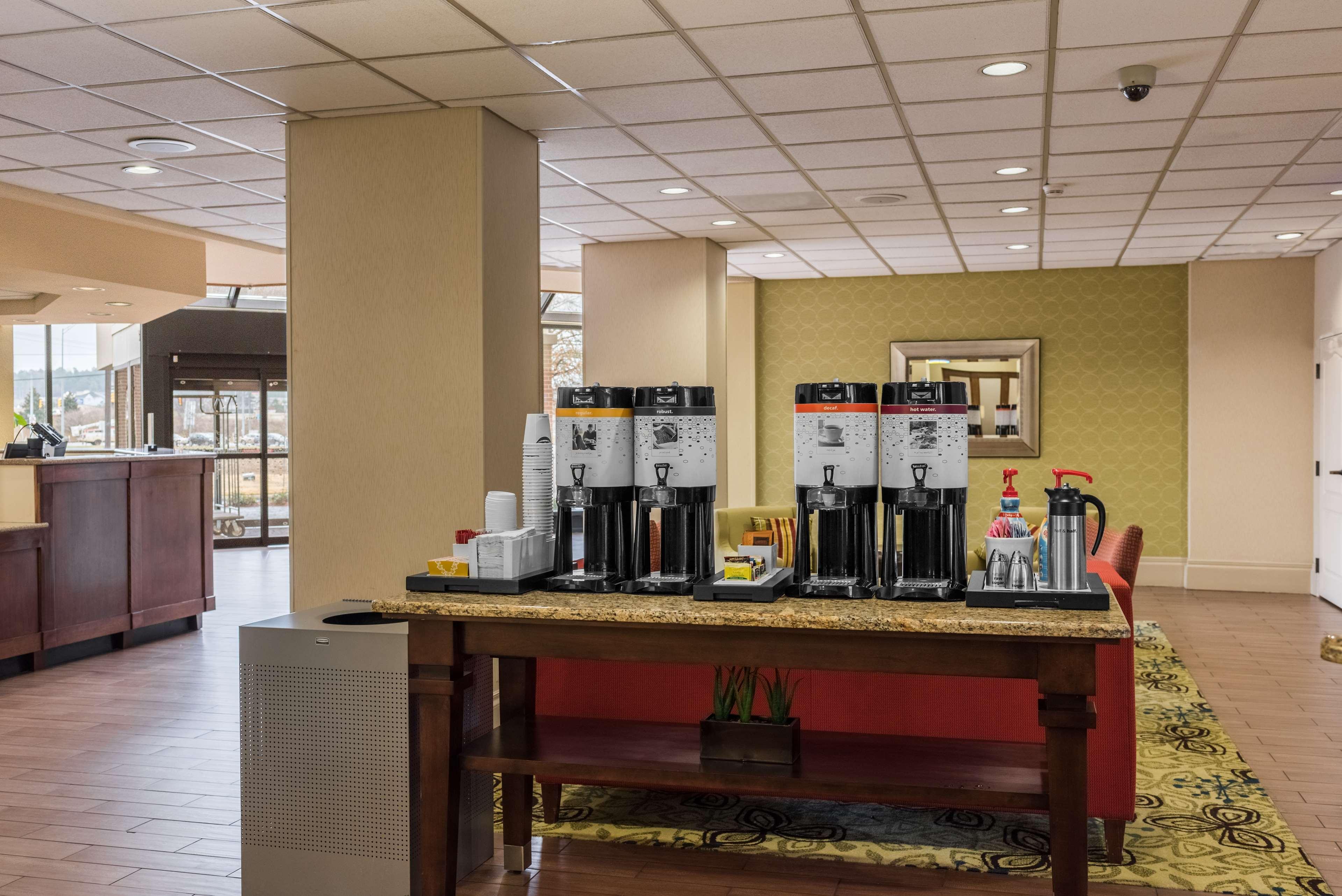 Hampton Inn Meridian image 6