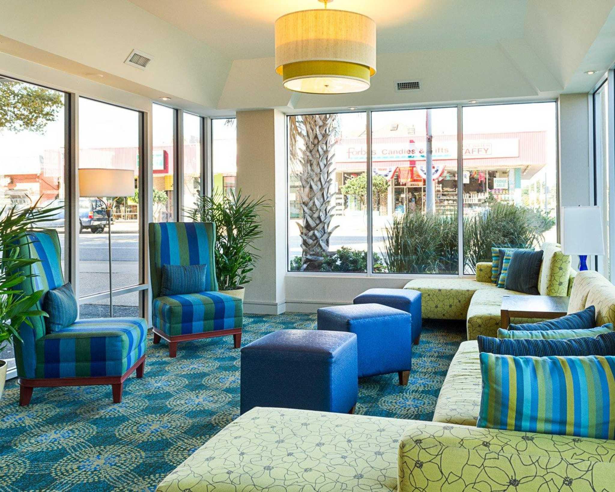 Comfort Suites Beachfront image 10