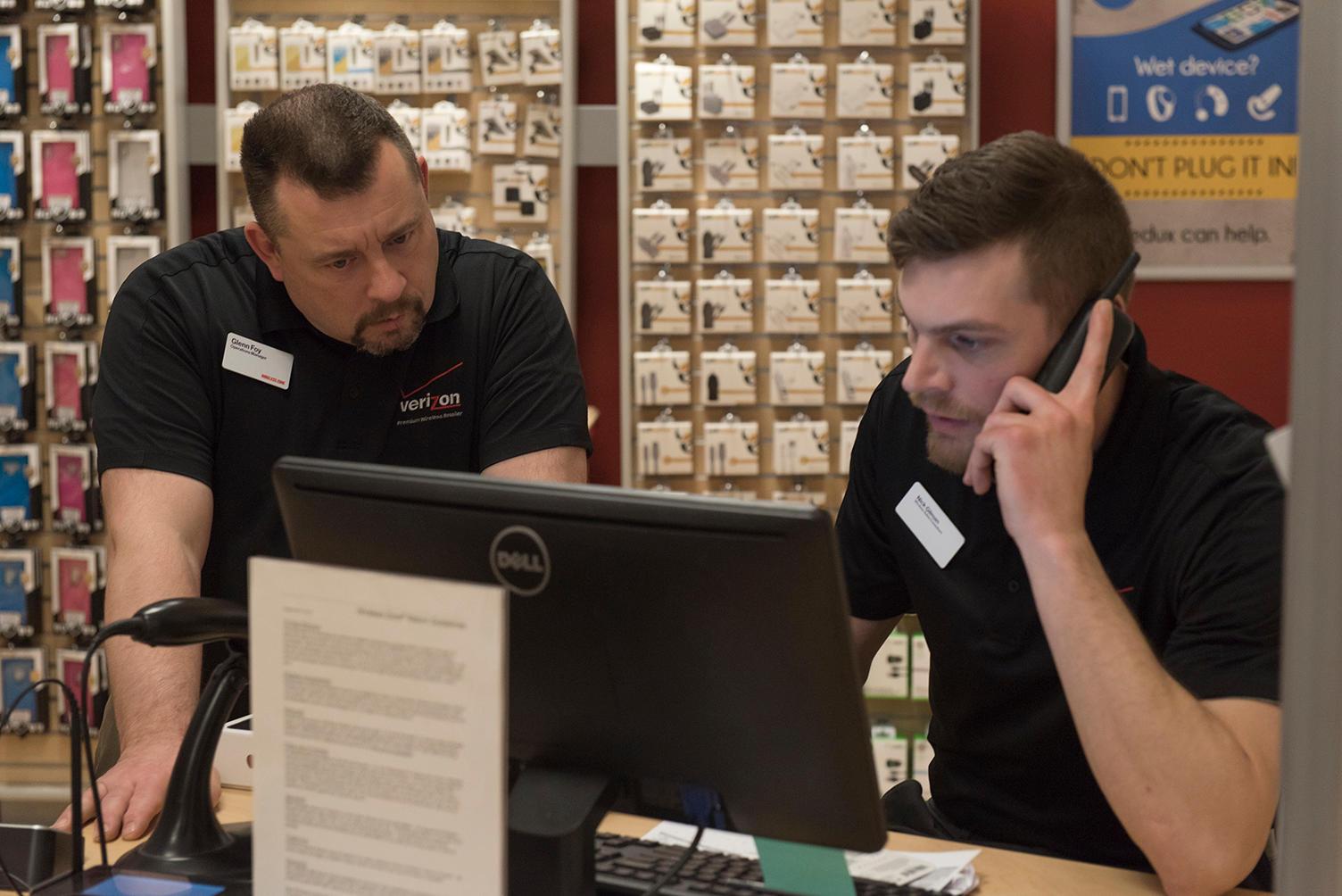 Verizon Authorized Retailer - Wireless Zone image 5