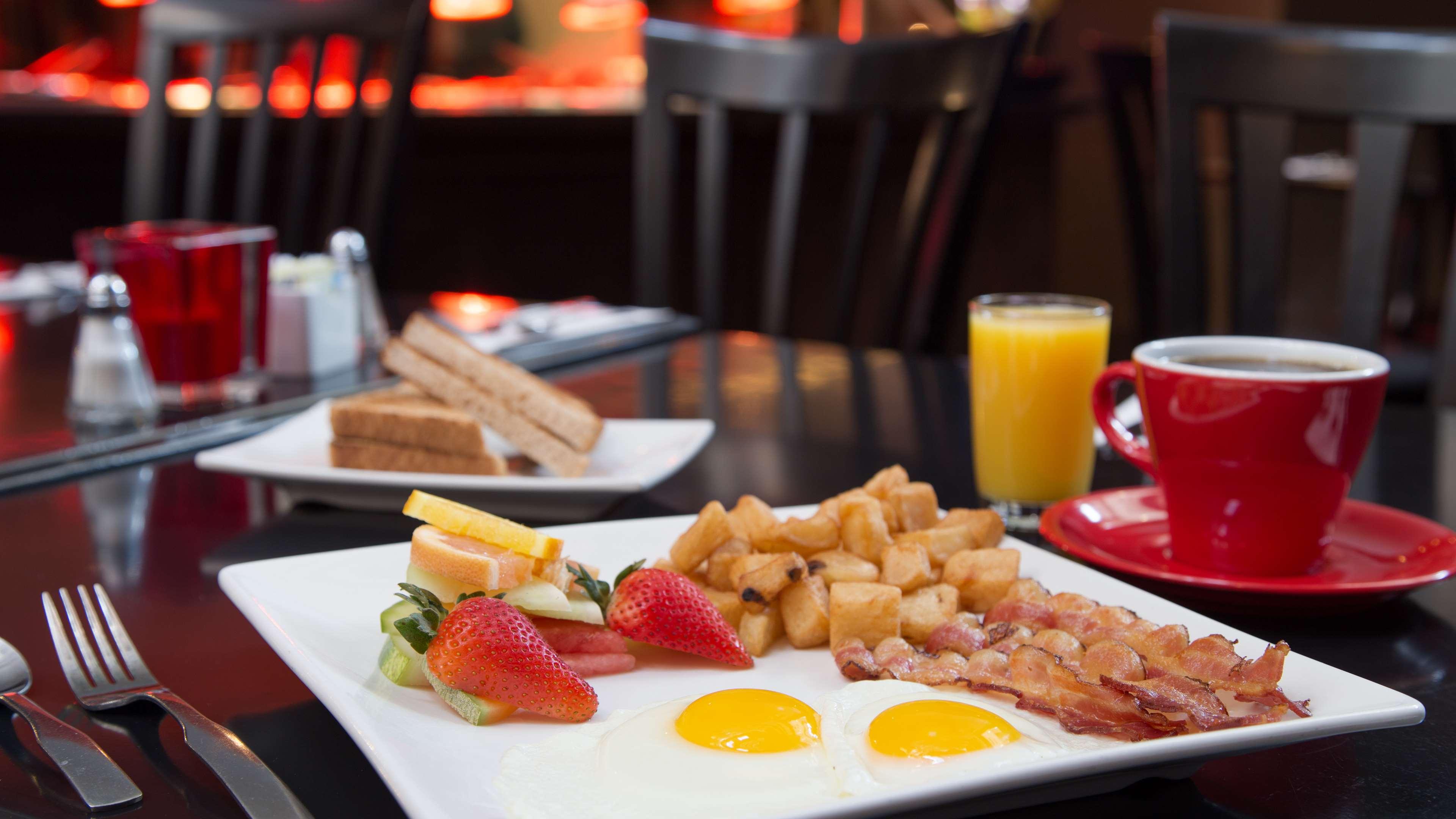 Best Western Plus City Centre/Centre-Ville à Quebec: Hotel Breakfast