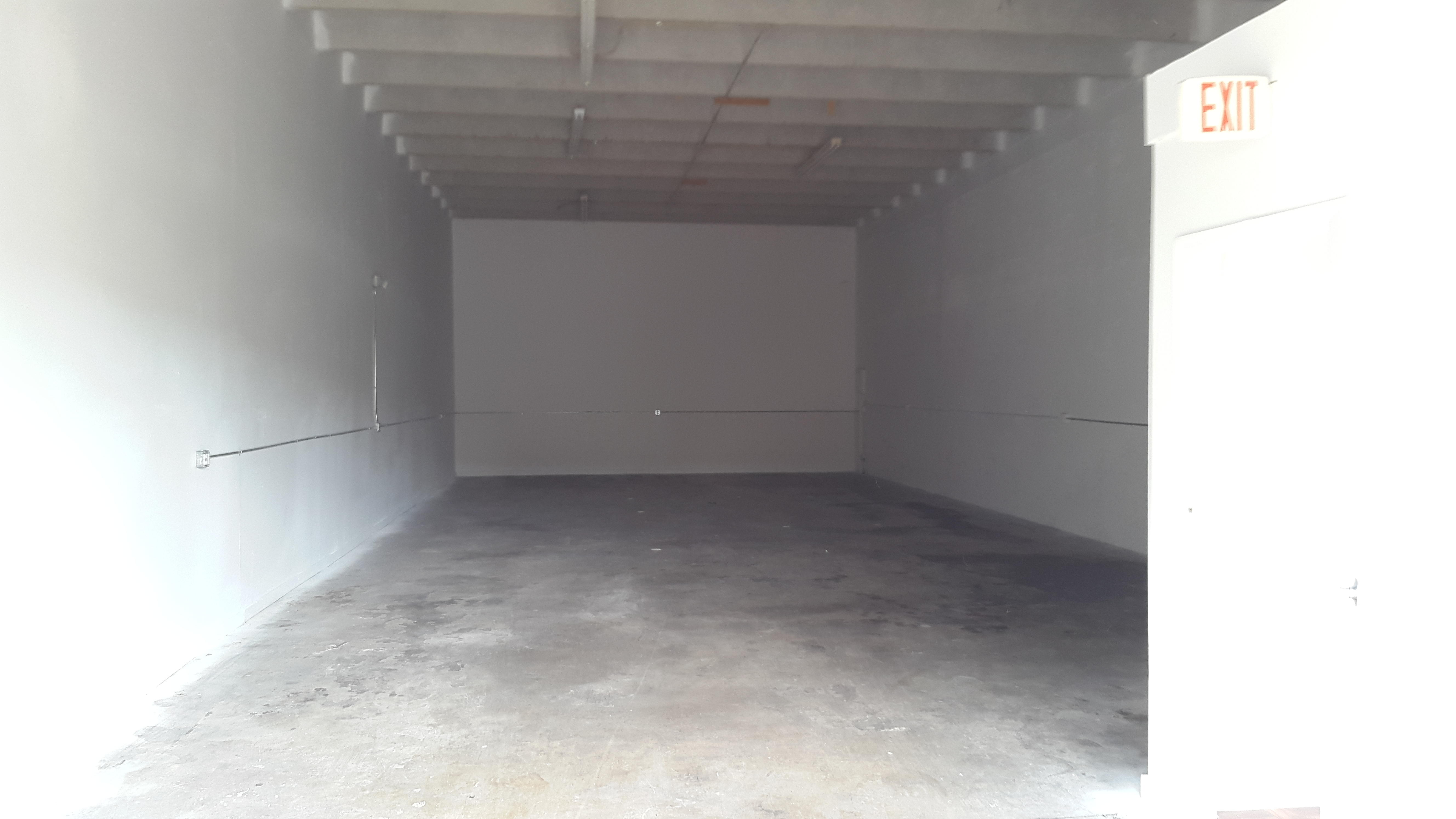 Warehouse for Rent in Miami image 10