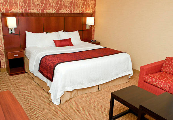 Courtyard by Marriott Champaign image 2