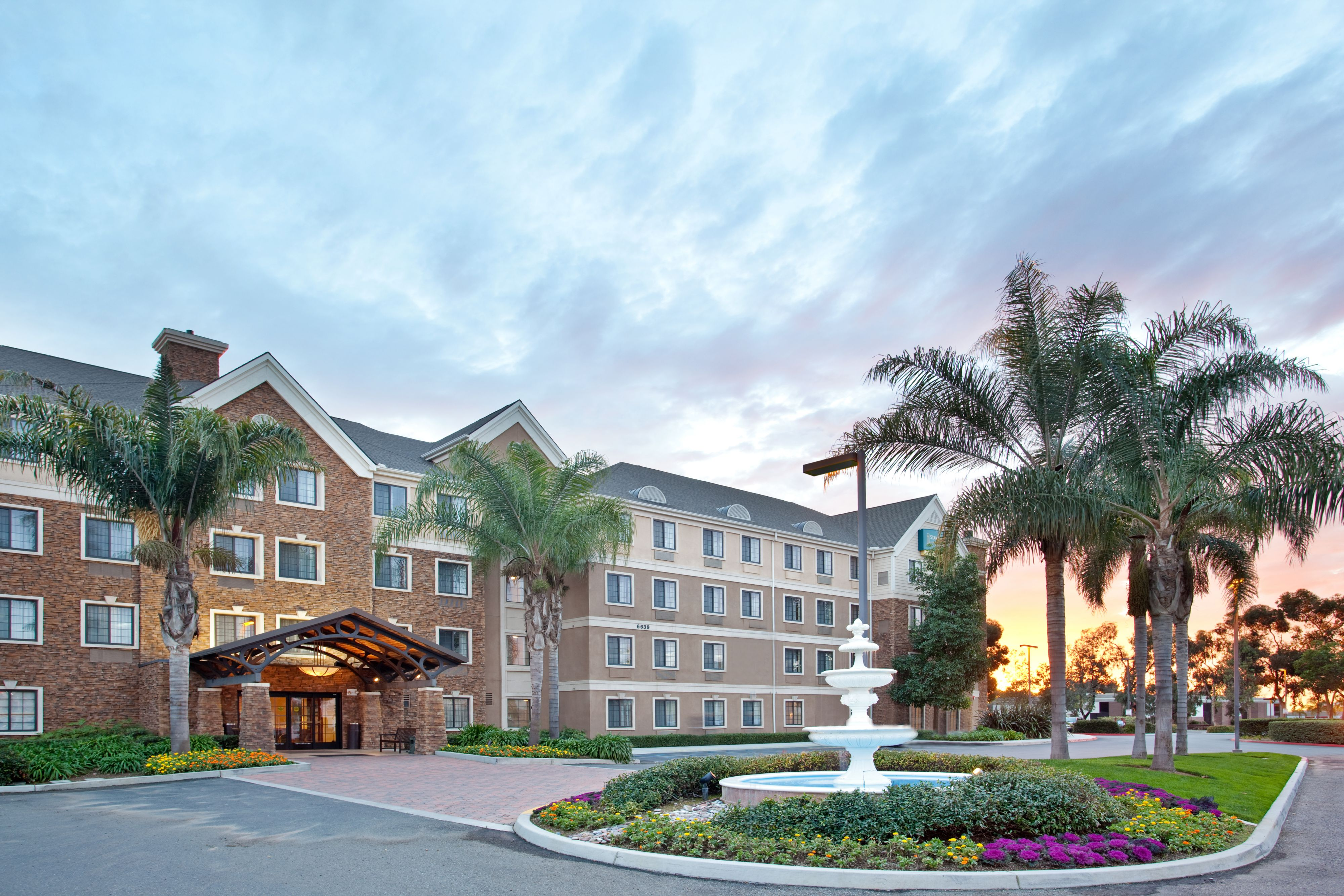Staybridge suites san diego sorrento mesa in san diego ca for Hotels 92109