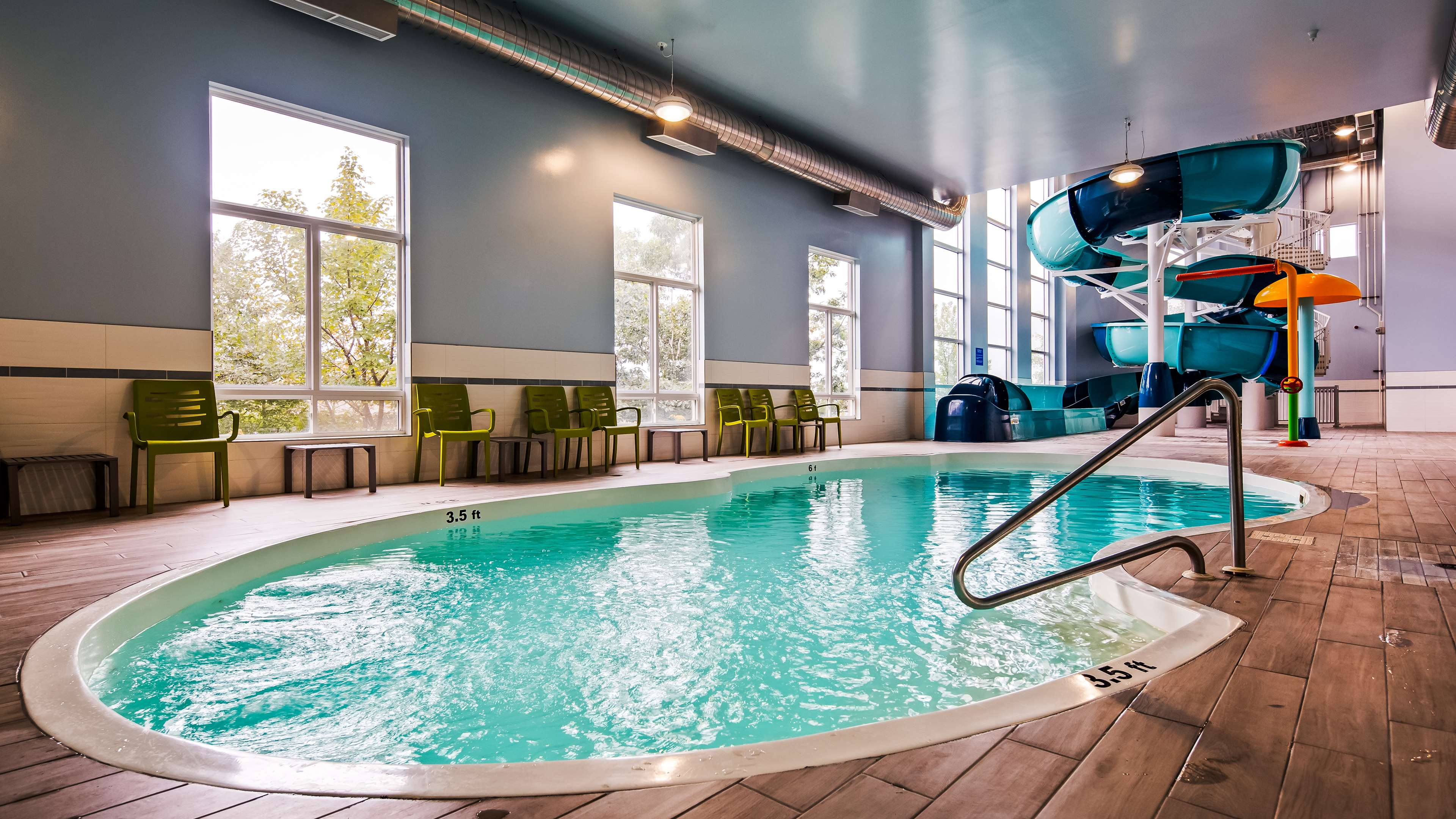 Best western plus dartmouth hotel suites for Dartmouth swimming pool opening times