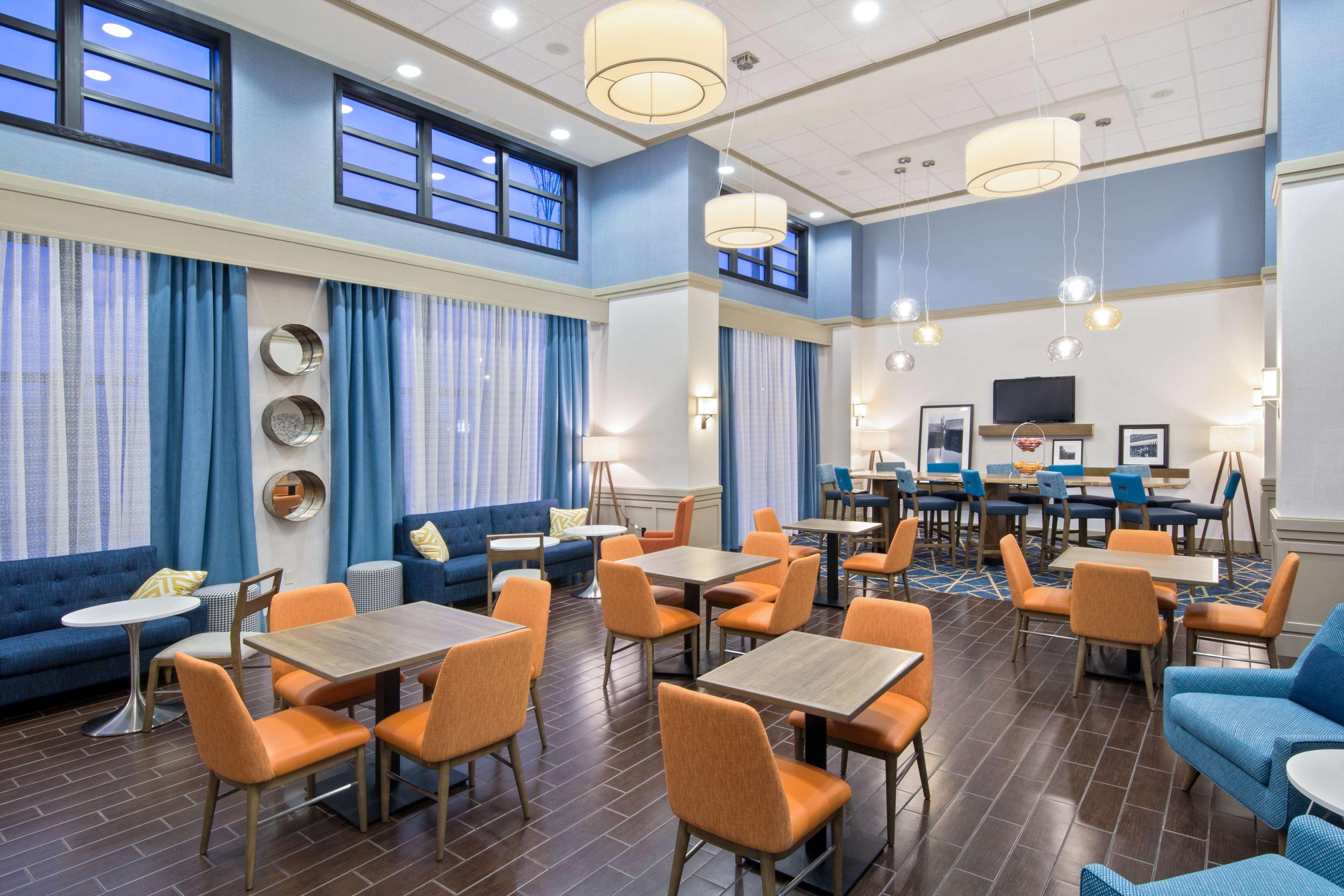 Hampton Inn & Suites Spokane Valley image 3