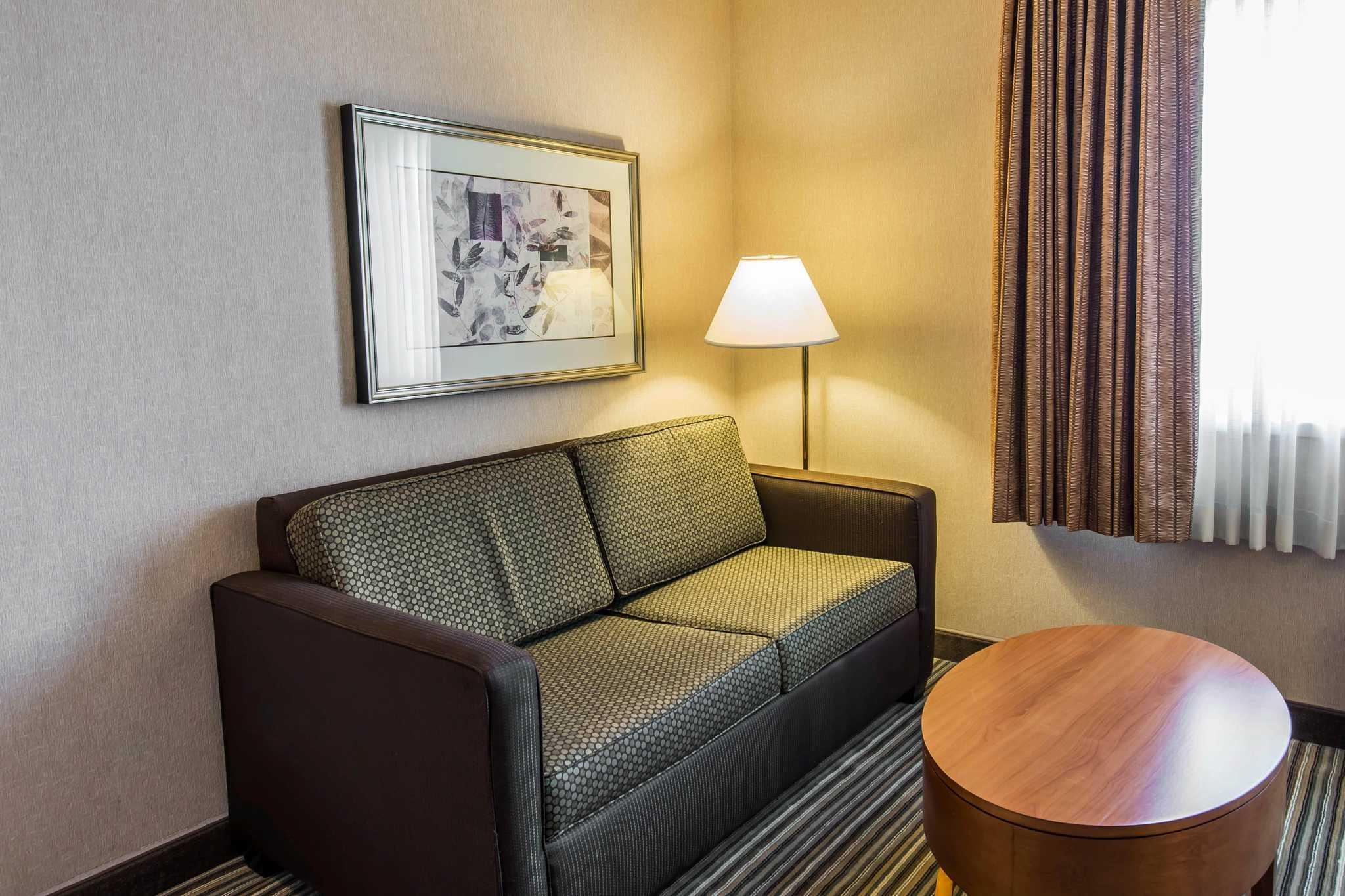 Quality Inn image 29
