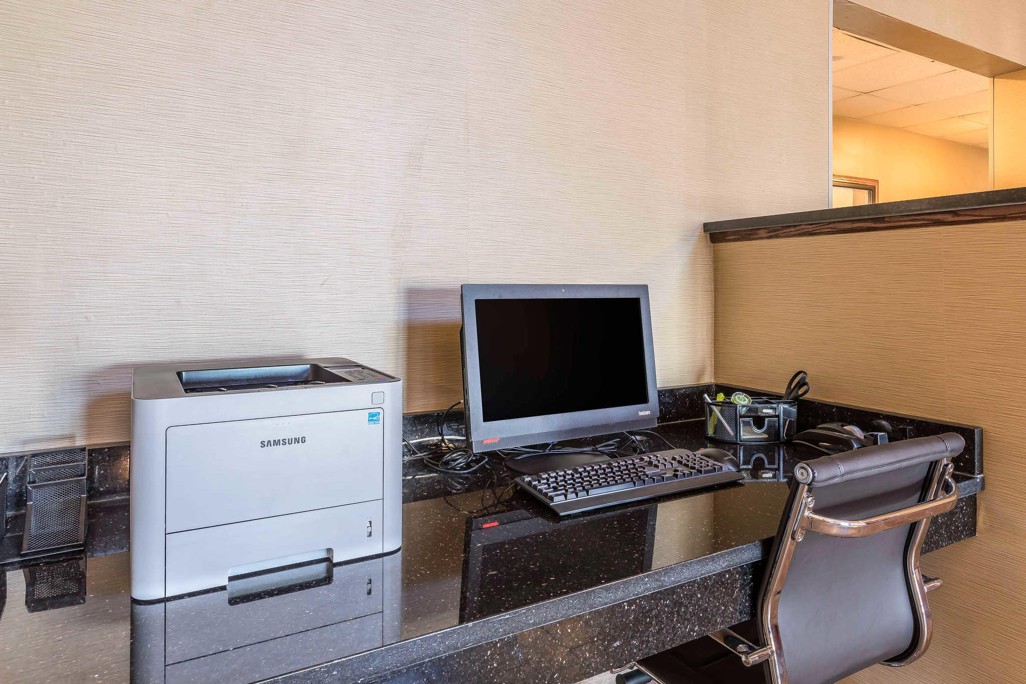 Comfort Suites North image 2