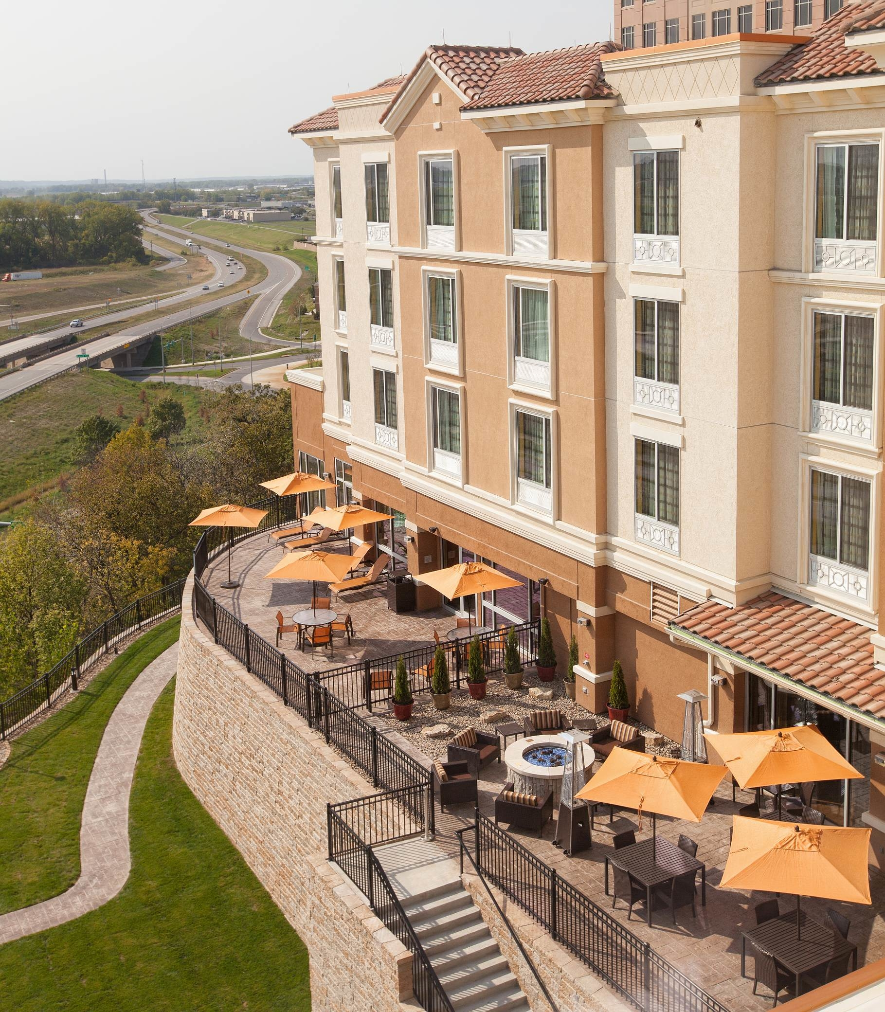 Courtyard by Marriott Kansas City at Briarcliff image 8