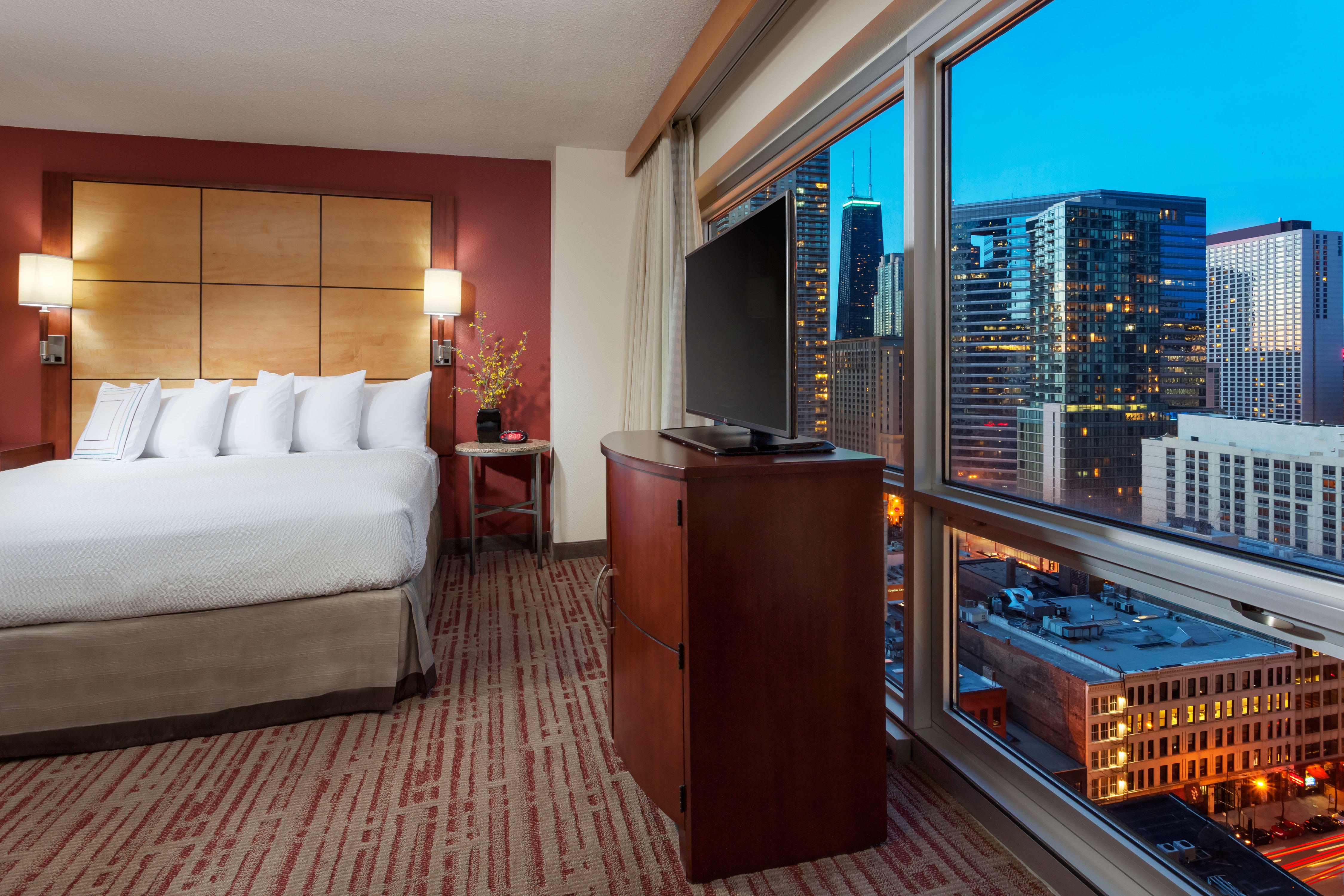 Residence inn by marriott chicago downtown river north at for Downtown chicago lodging