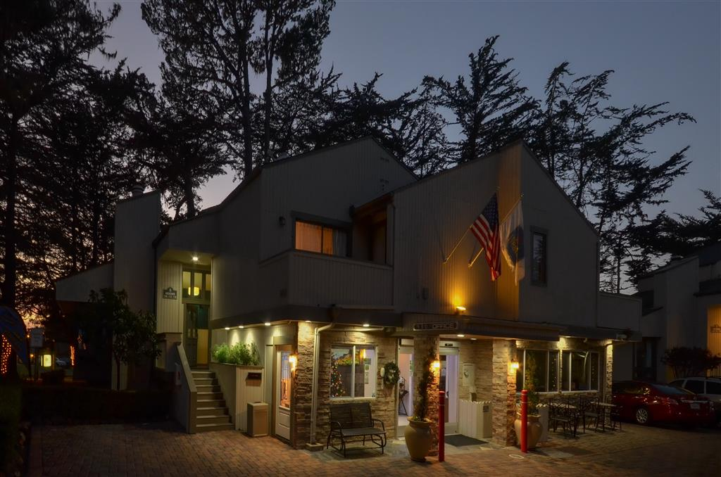 Best Western The Inn & Suites Pacific Grove image 1