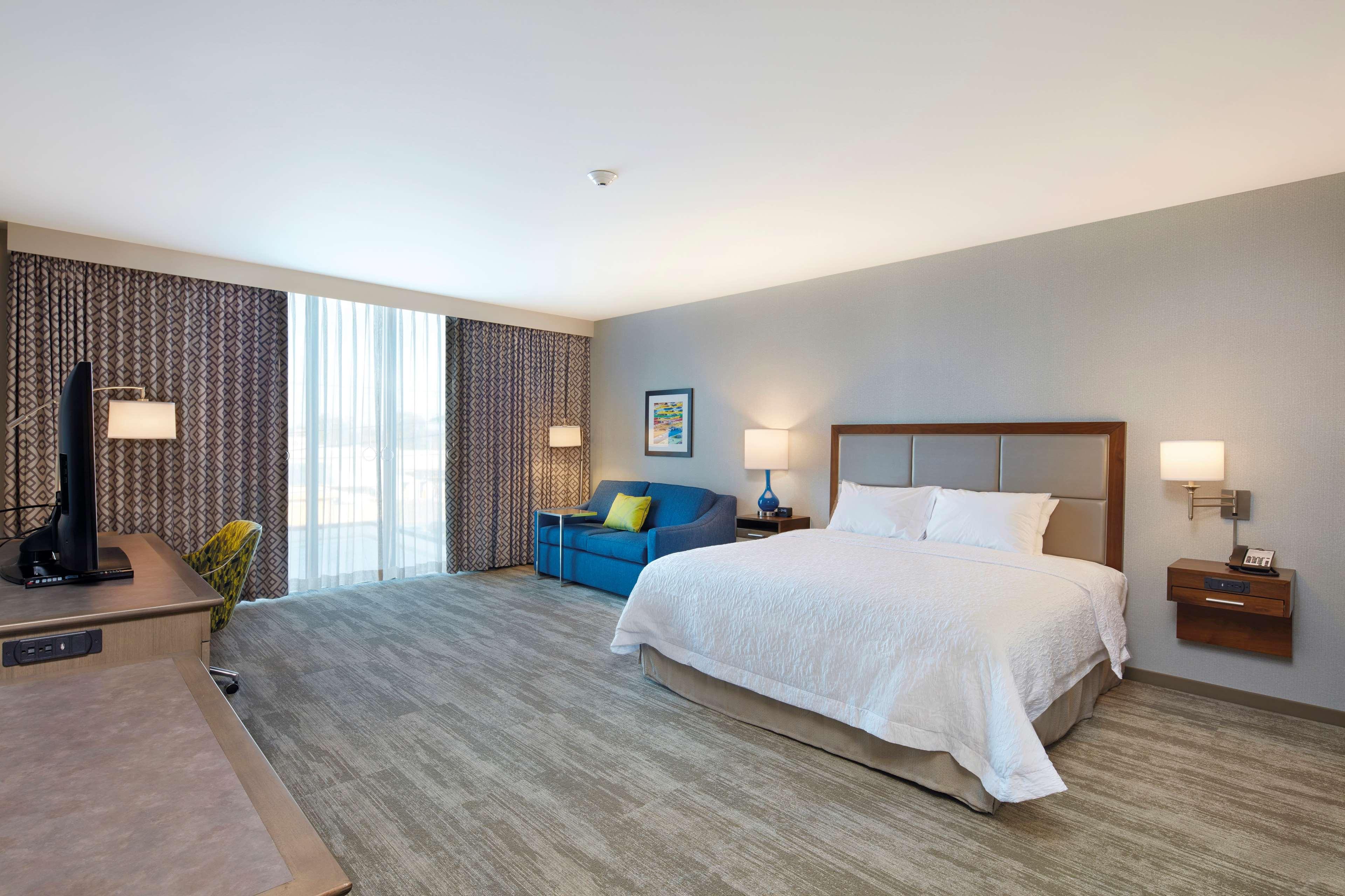 Hampton Inn & Suites Sacramento at CSUS image 20