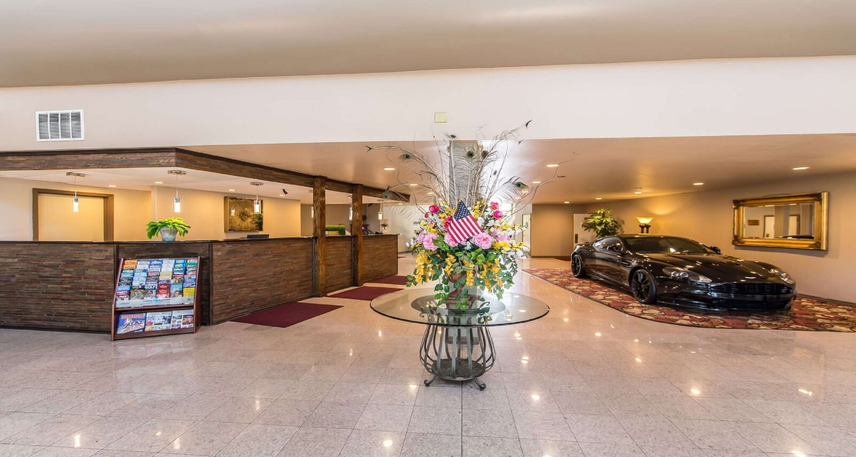 SureStay Plus Hotel by Best Western Bakersfield North image 1