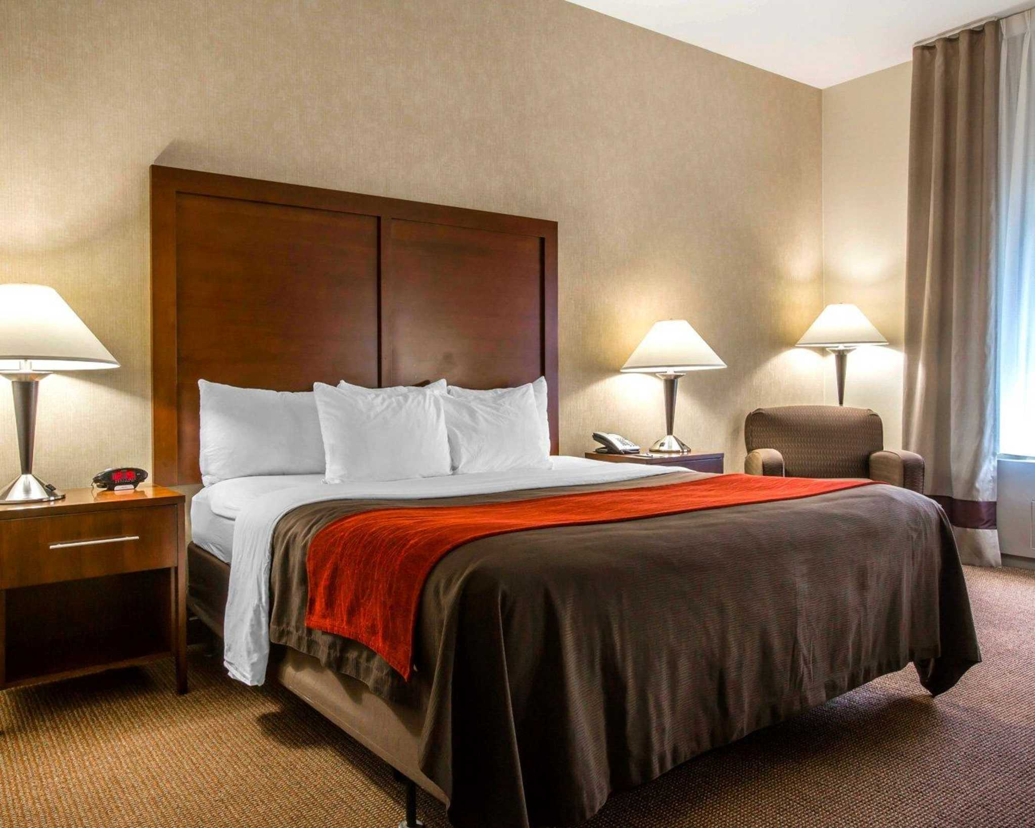 Comfort Inn & Suites adj to Akwesasne Mohawk Casino image 4