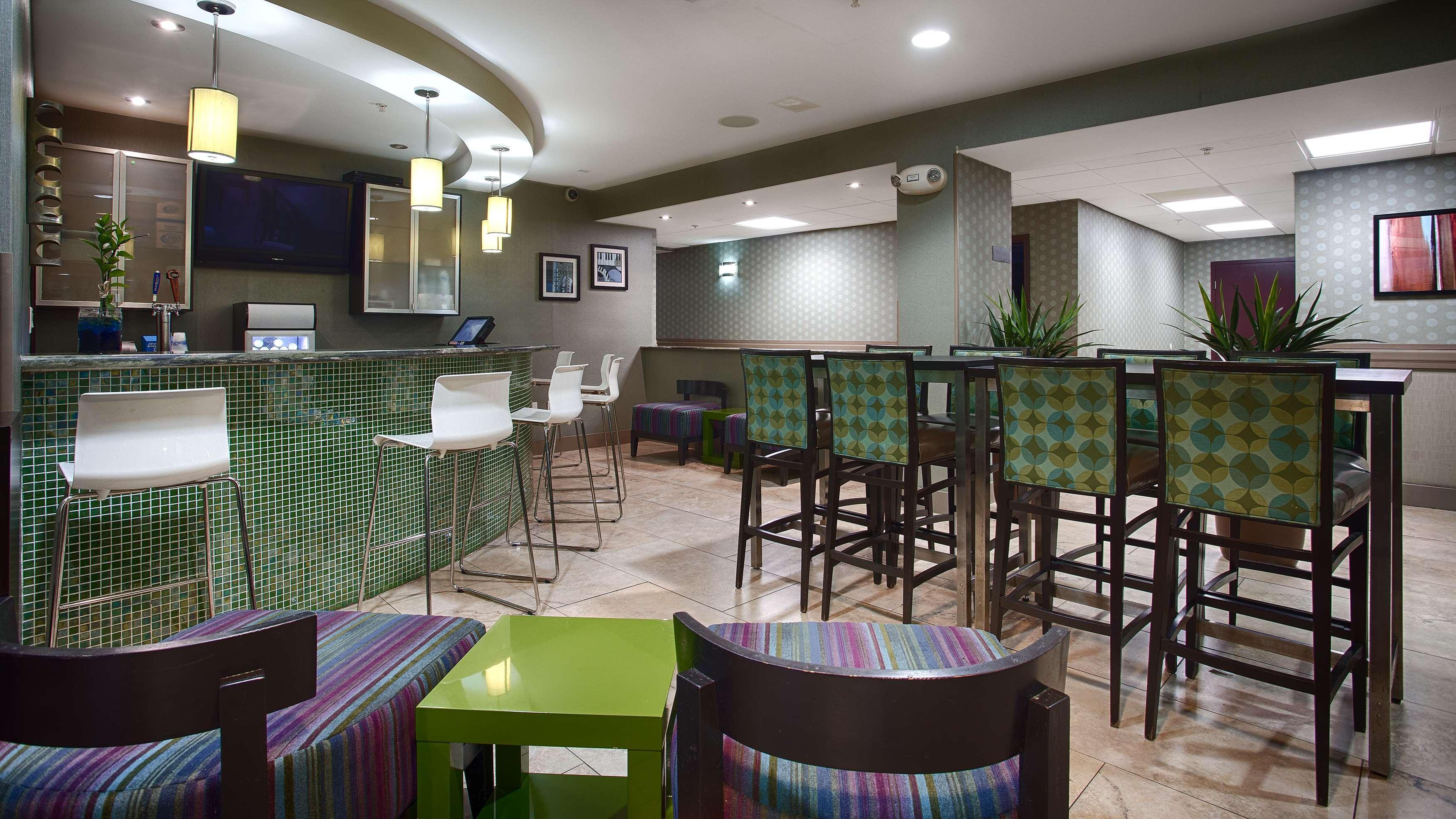 Best Western Plus Fort Lauderdale Airport South Inn & Suites image 7