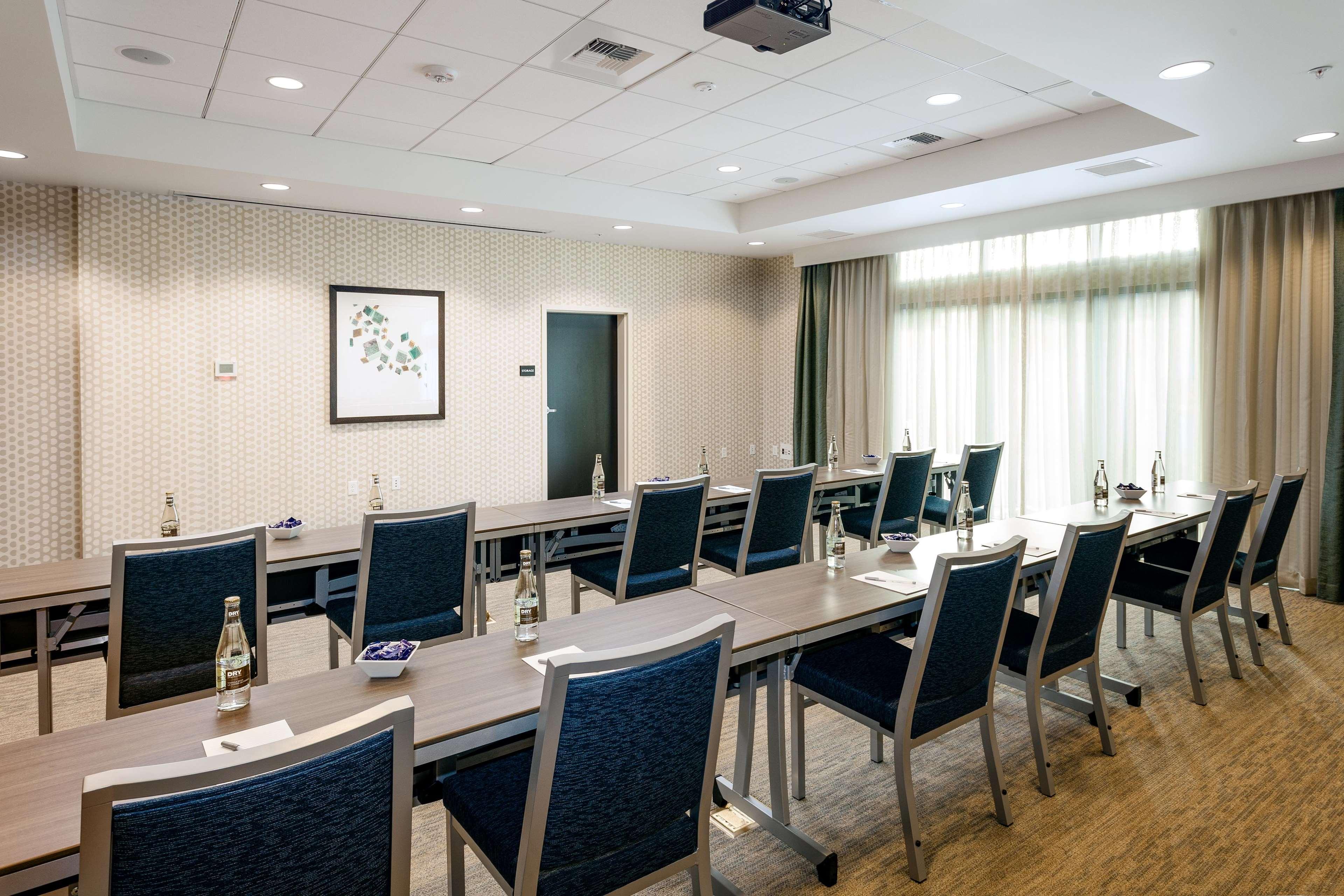 Hampton Inn & Suites by Hilton Seattle/Northgate image 27