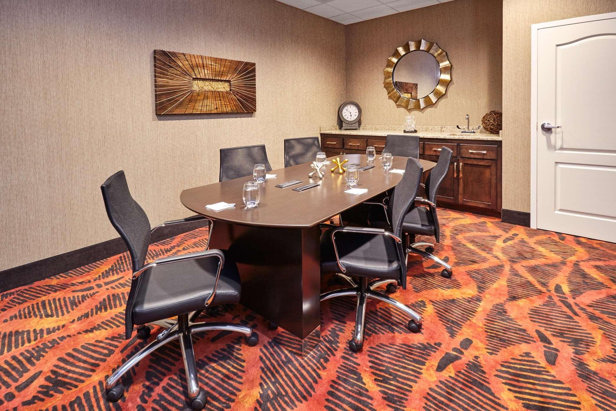 Hampton Inn & Suites Milwaukee/Franklin image 5