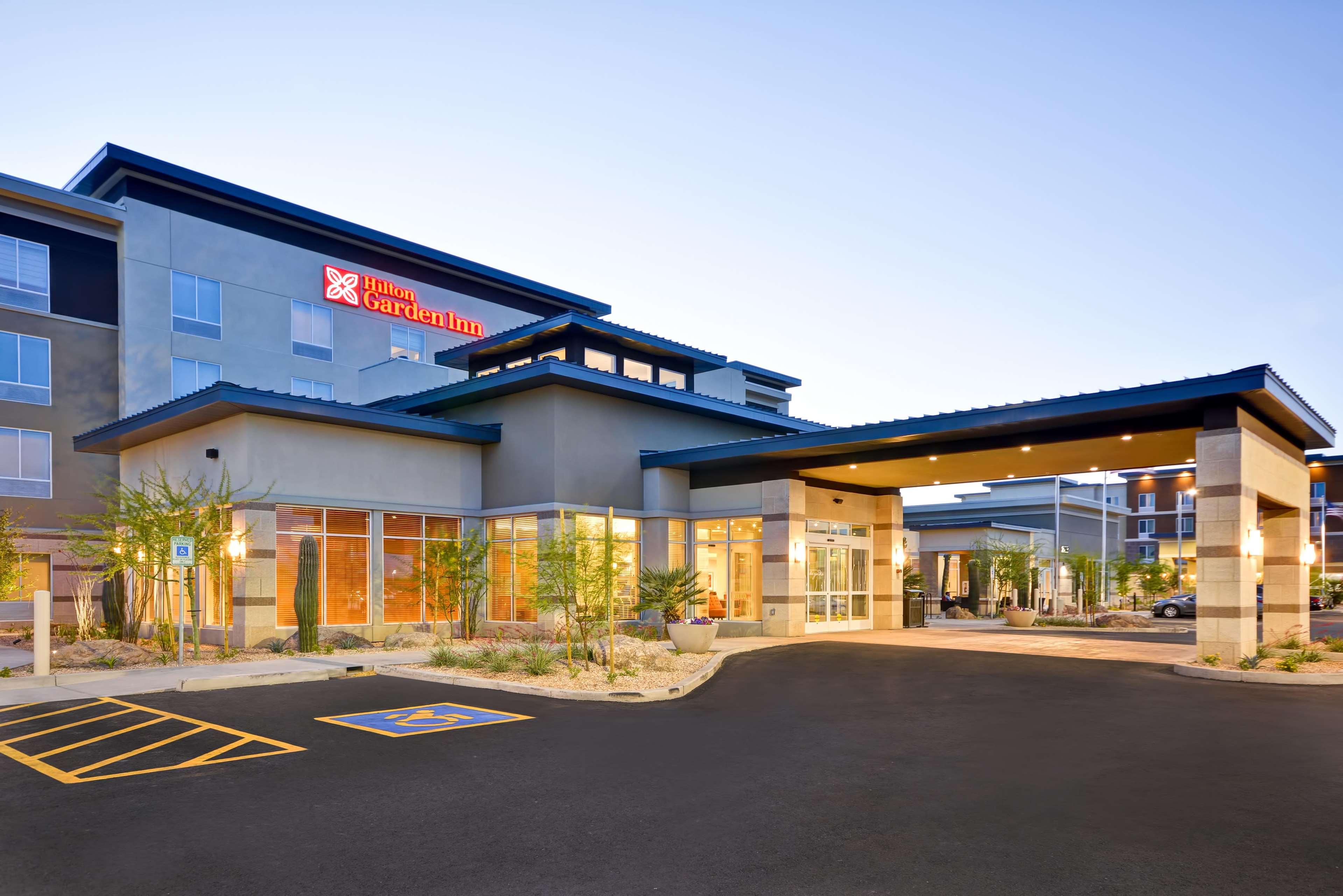 Hilton Garden Inn Phoenix/Tempe ASU Area image 2
