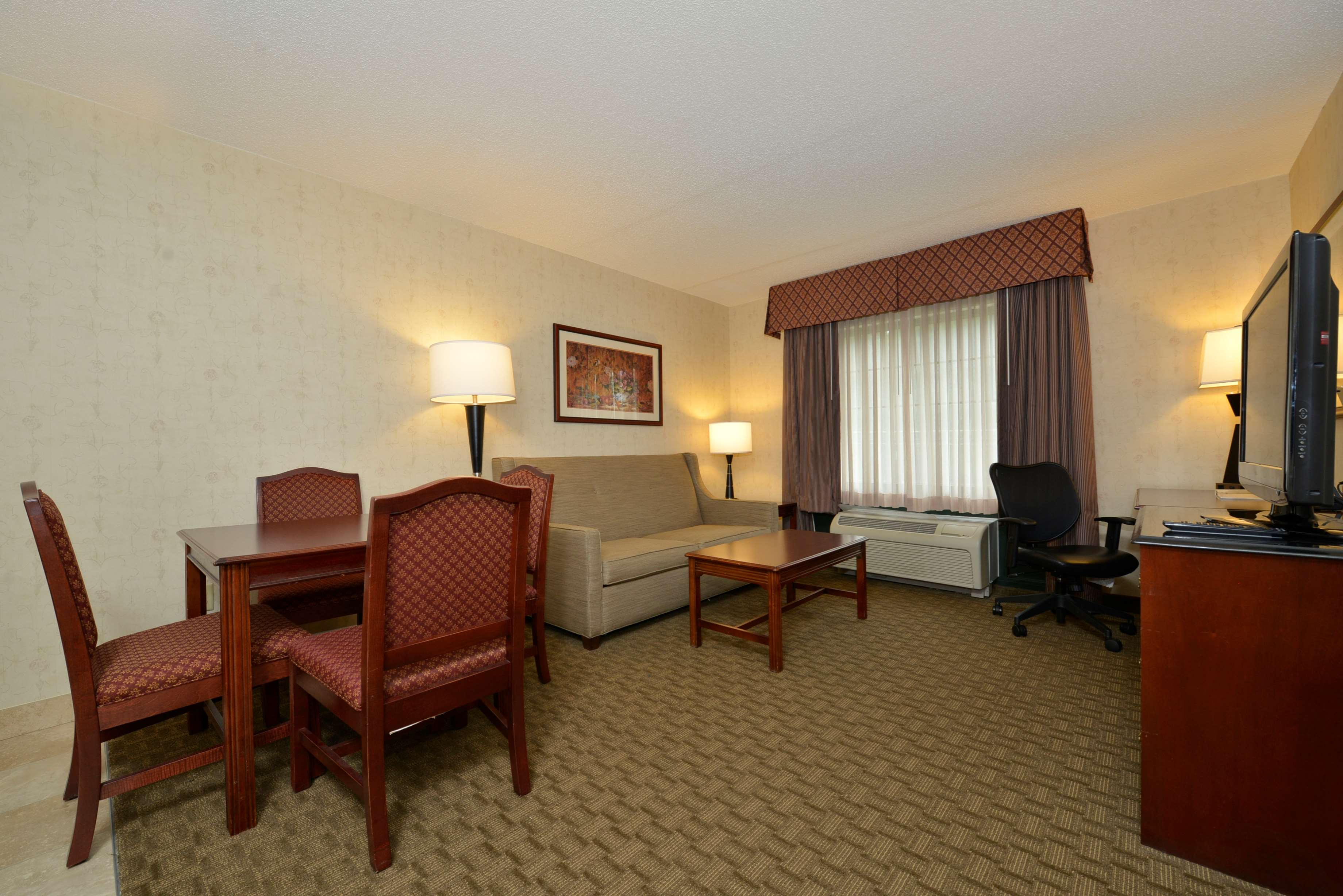 Hampton Inn East Aurora image 24