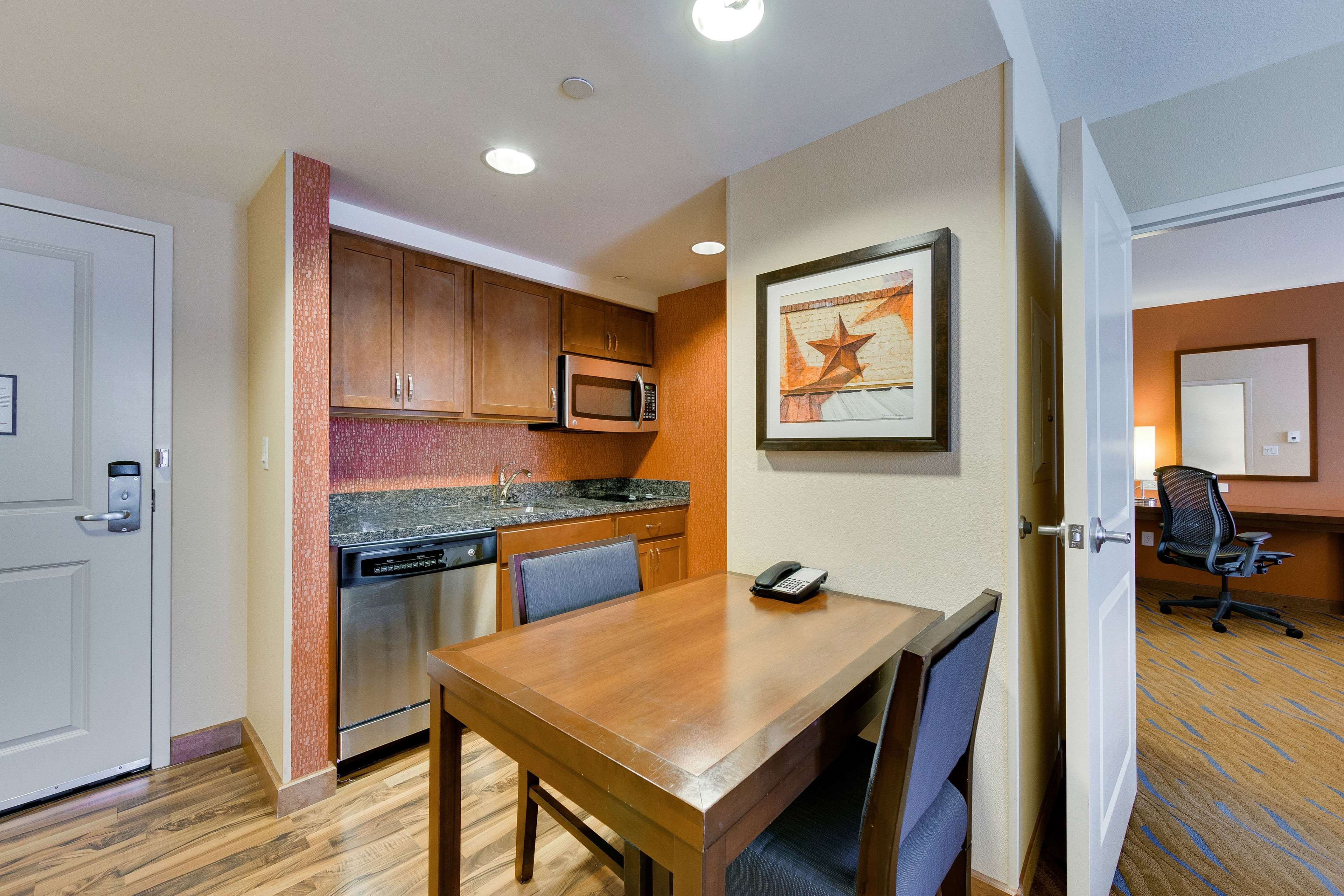 Homewood Suites by Hilton Fort Worth - Medical Center, TX image 10