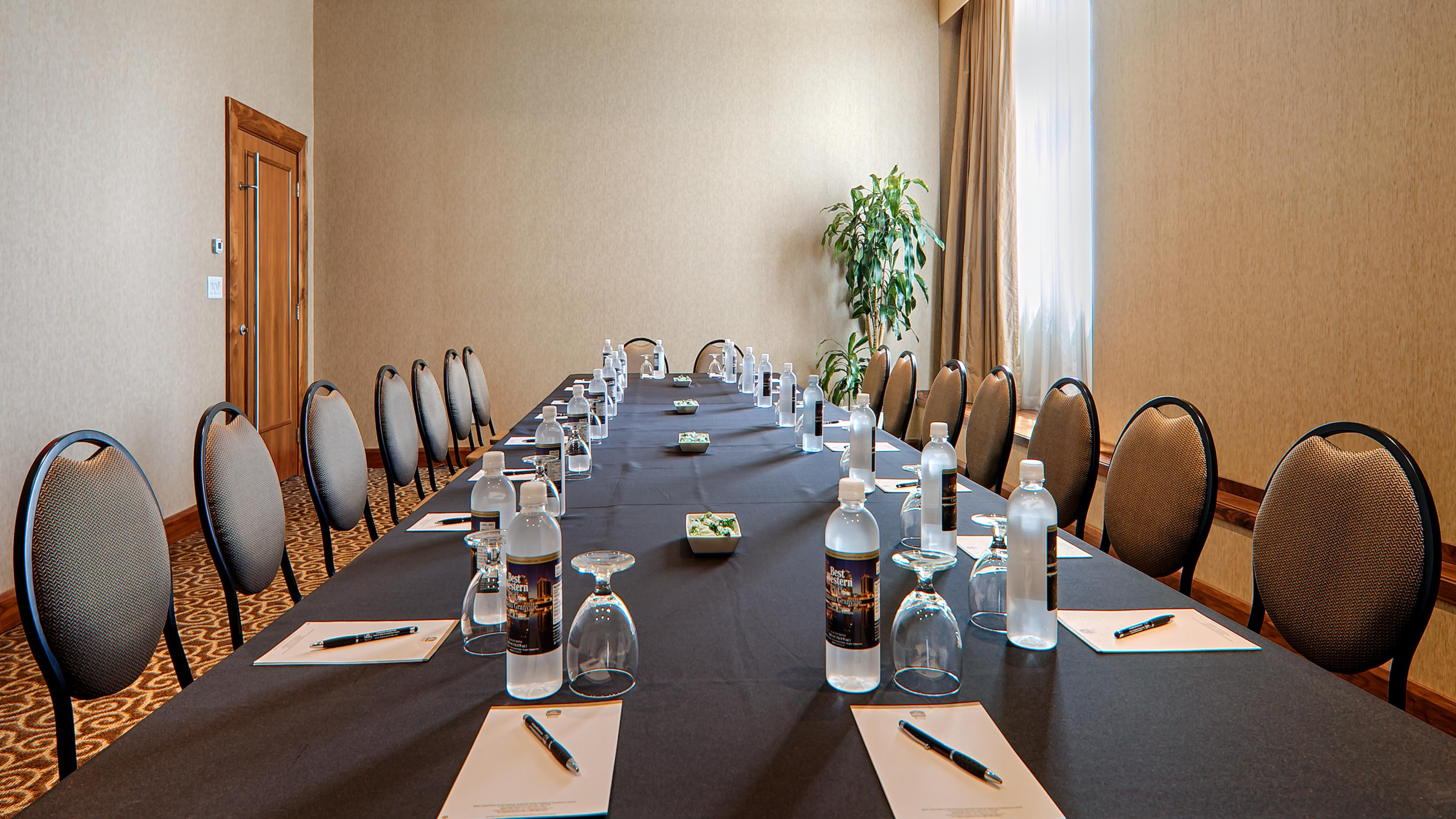Best Western Plus Chateau Granville Hotel & Suites & Conference Ctr. in Vancouver: Meeting Room