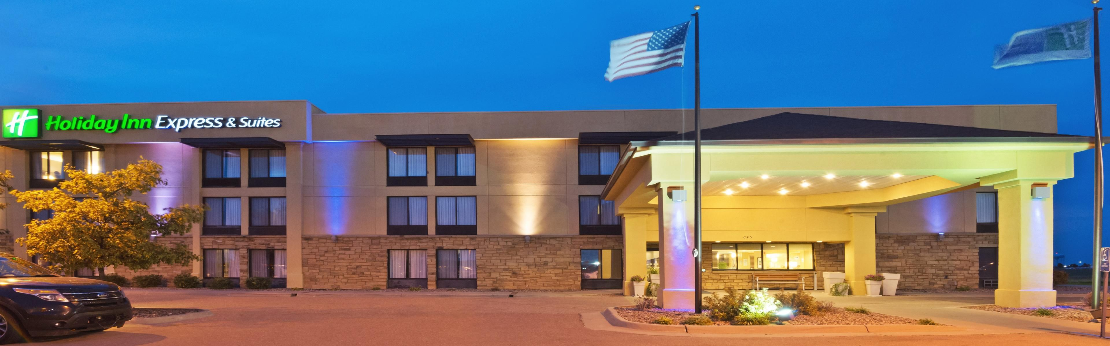 Holiday Inn Express & Suites Colby image 0