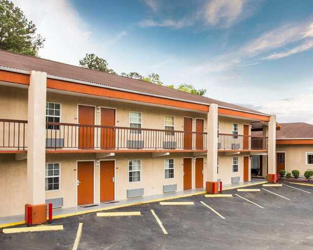Econo Lodge Fort Jackson In Columbia Sc 29209 Citysearch