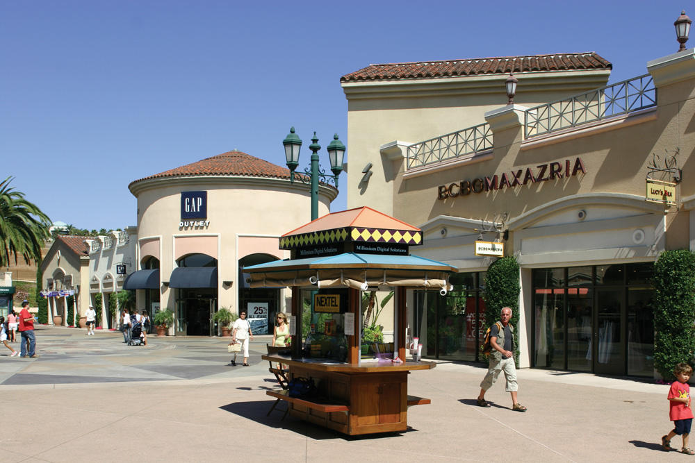 Carlsbad Premium Outlets image 4