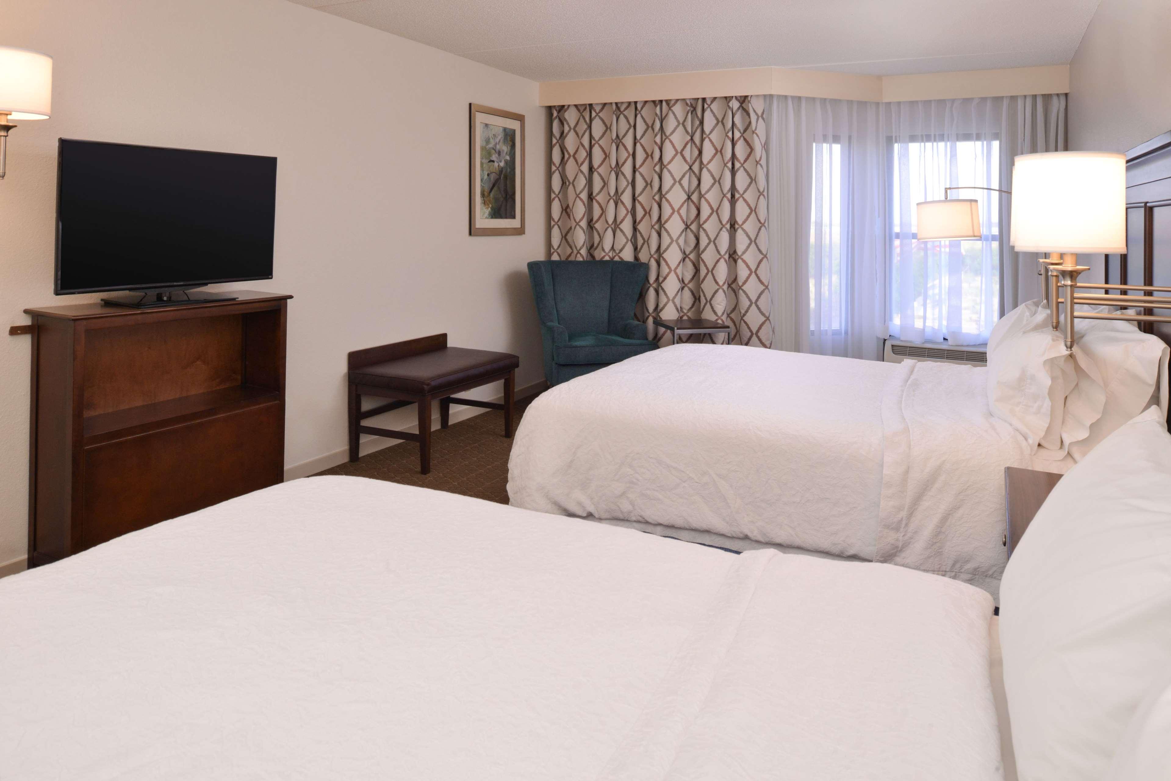 Hampton Inn & Suites Pueblo-Southgate image 28