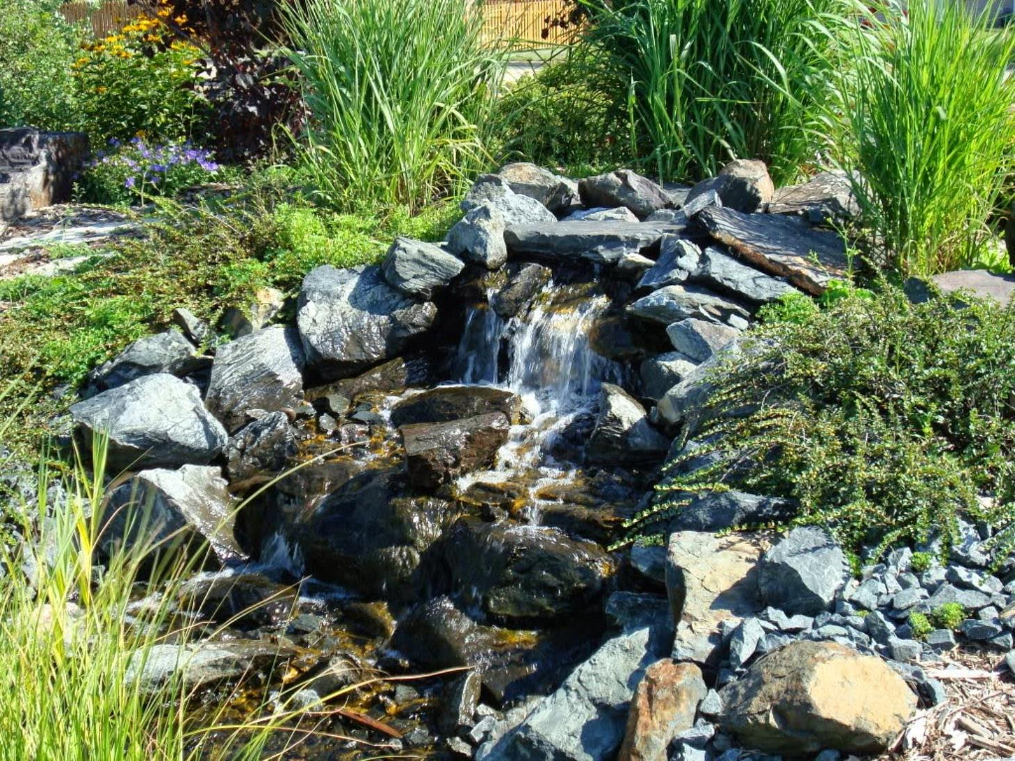 Earth-Tones Landscaping image 0