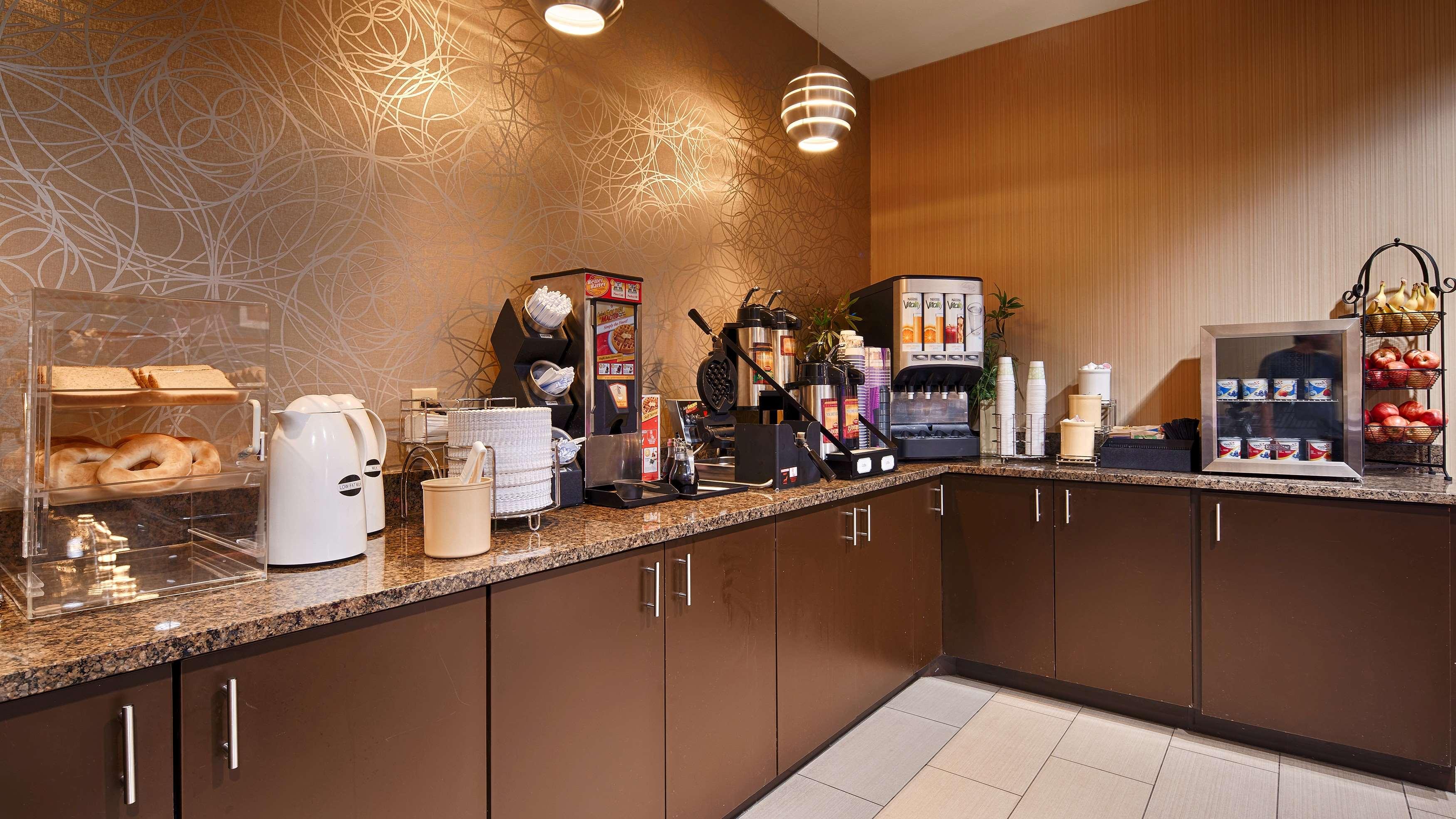 Best Western Plus Denton Inn & Suites image 35