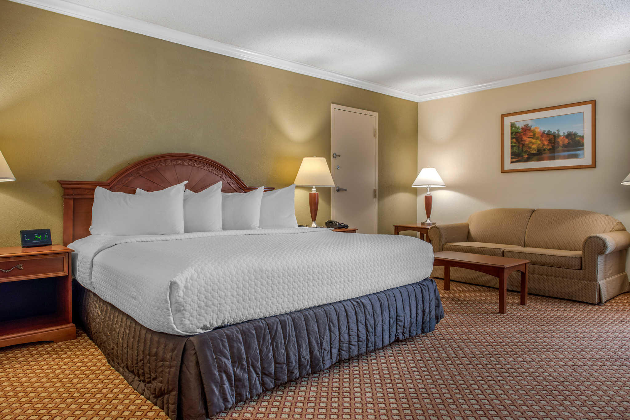 Quality Hotel - Cincinnati Blue Ash image 16