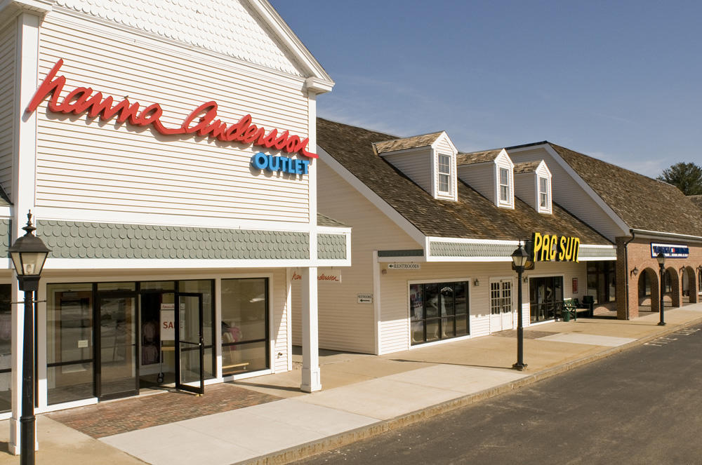 Kittery Premium Outlets image 13