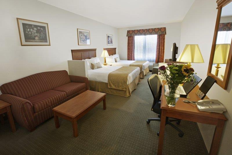 Best Western Plus Lake Elsinore Inn & Suites image 11