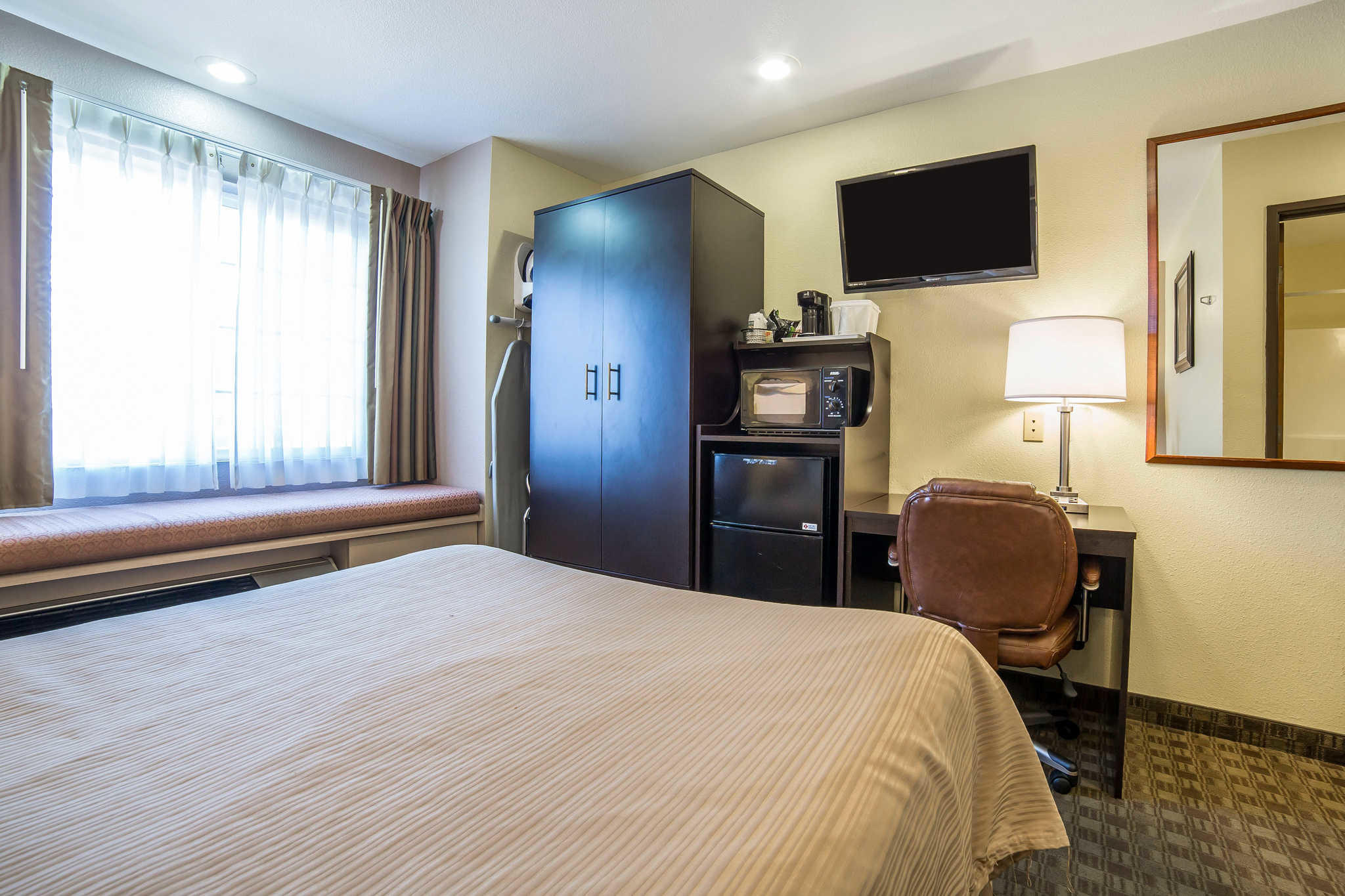 Quality Inn & Suites Elko image 4