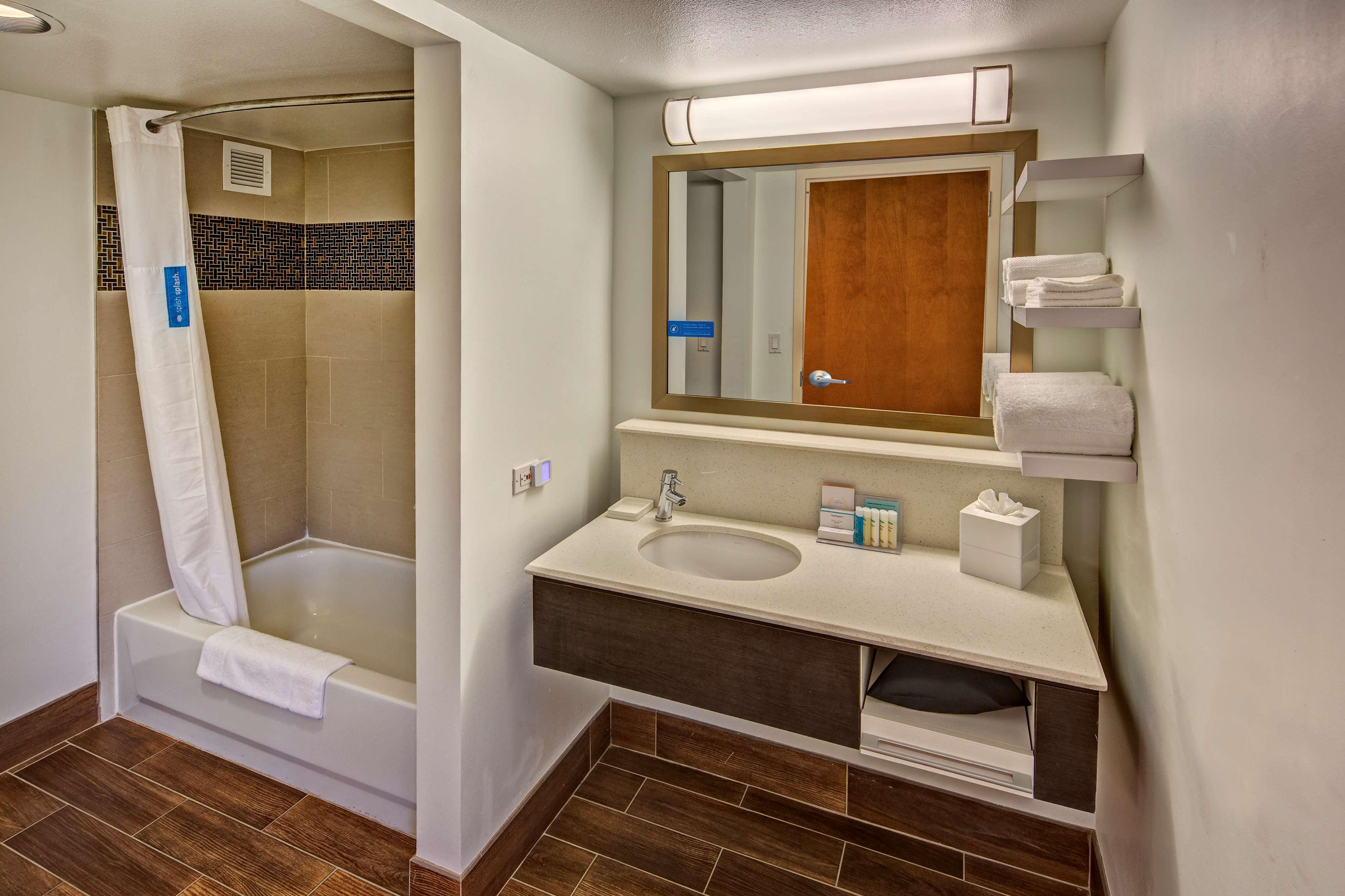 Hampton Inn & Suites Austin-Downtown/Convention Center